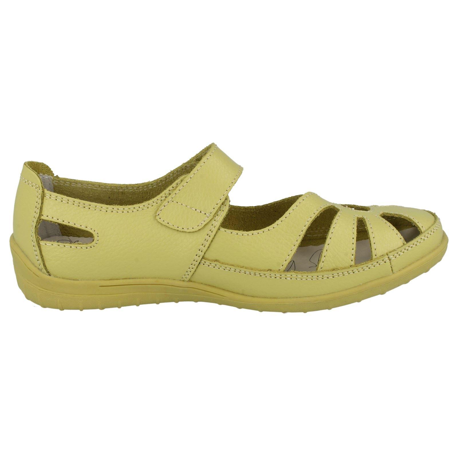 Señoras Down to Earth Plana Corte Zapatos' 095'