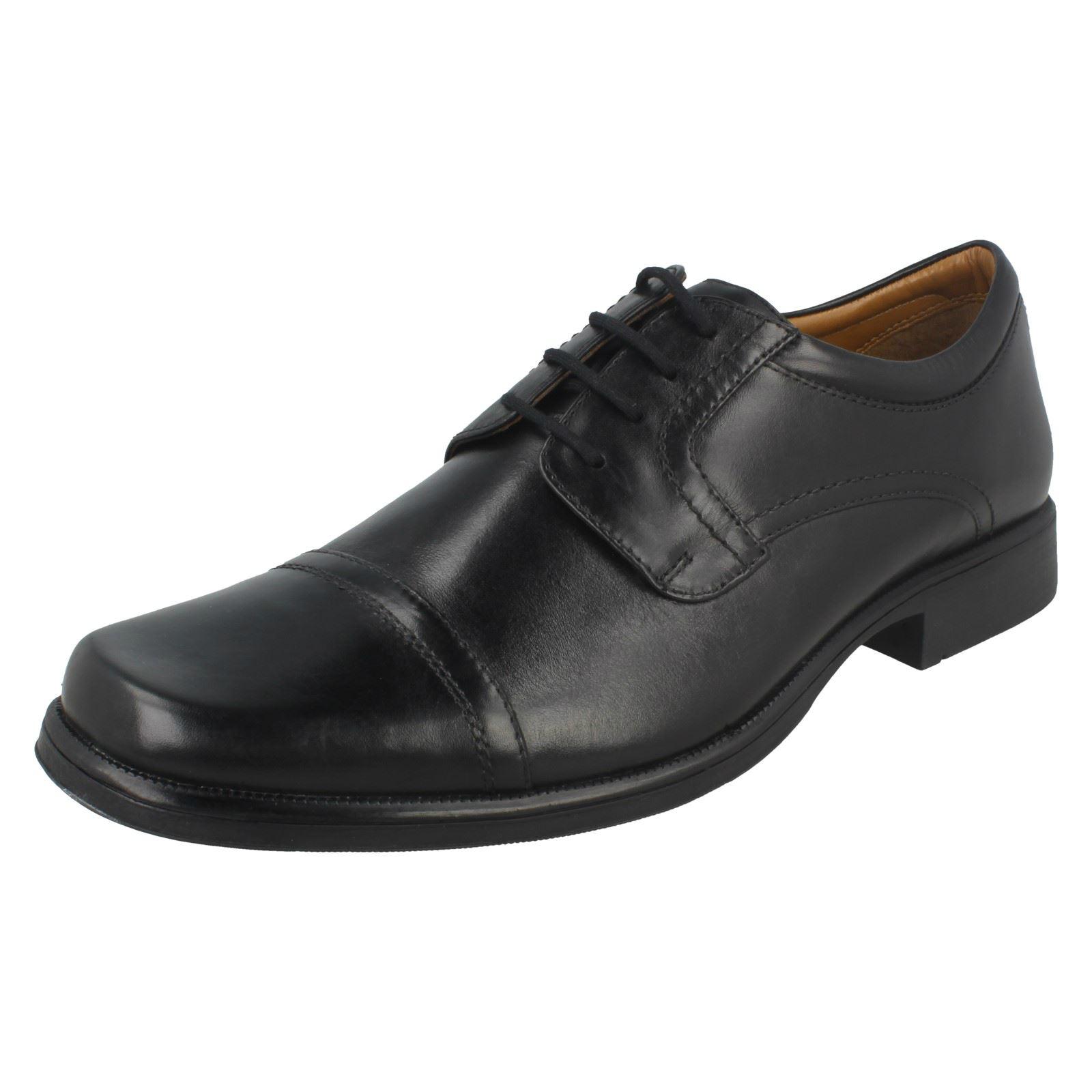 Mens Clarks Lace Up Formal Shoes 'harpcap' Diversifizierte Neueste Designs Business-schuhe