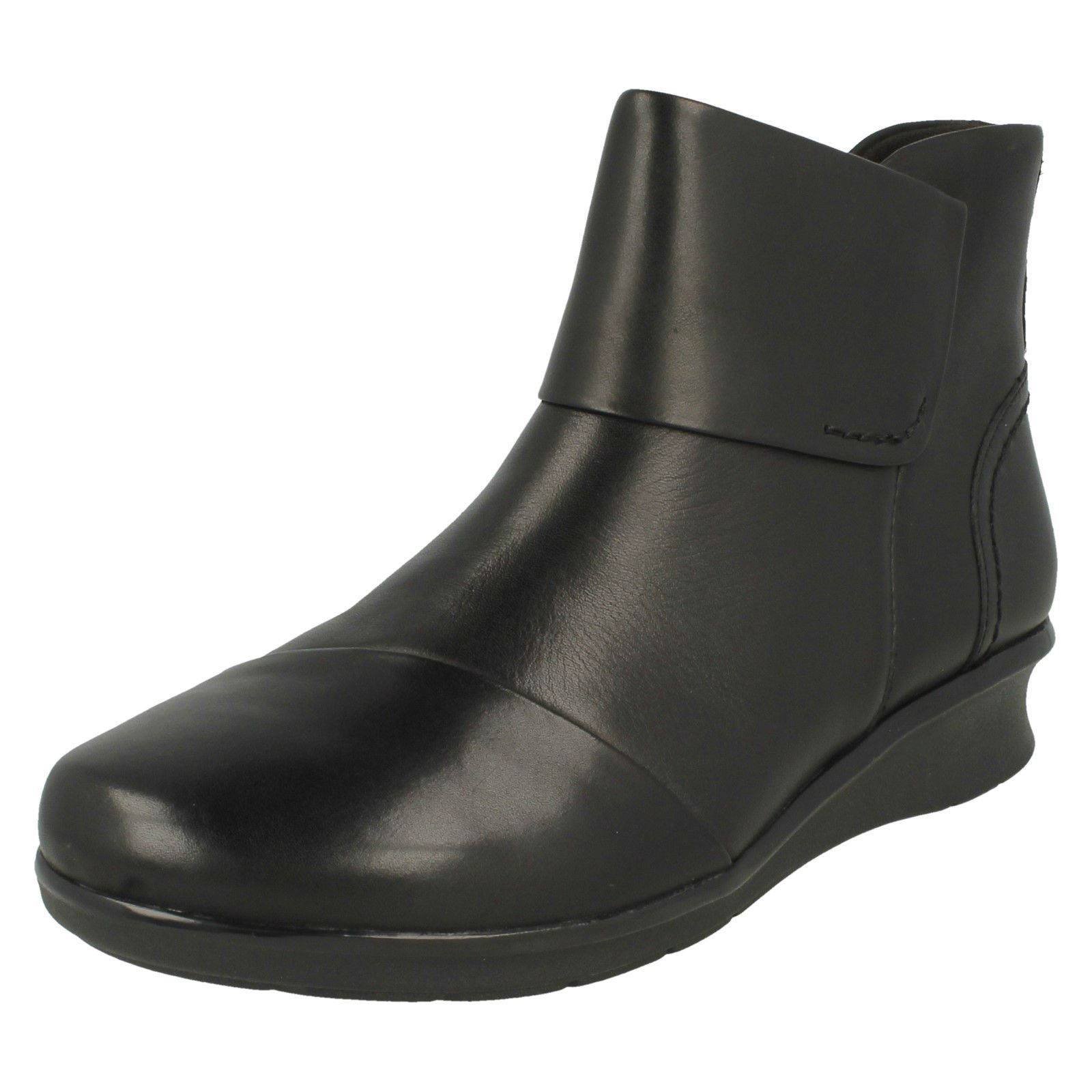 Ladies Clarks' Ankle Boots -Hope Track
