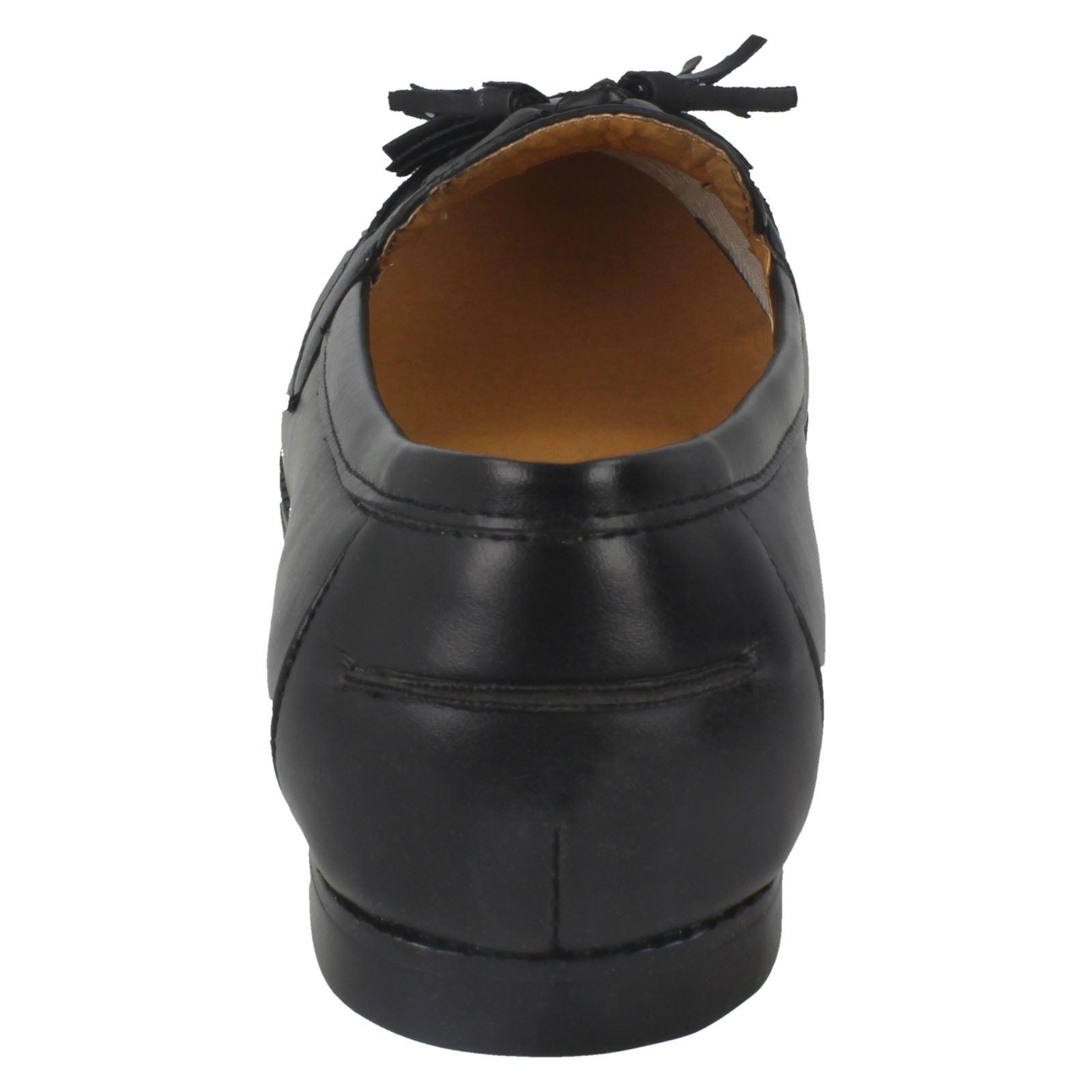 Señoras zapato mocasín estilo punto en plano con Borla Vamp F8697