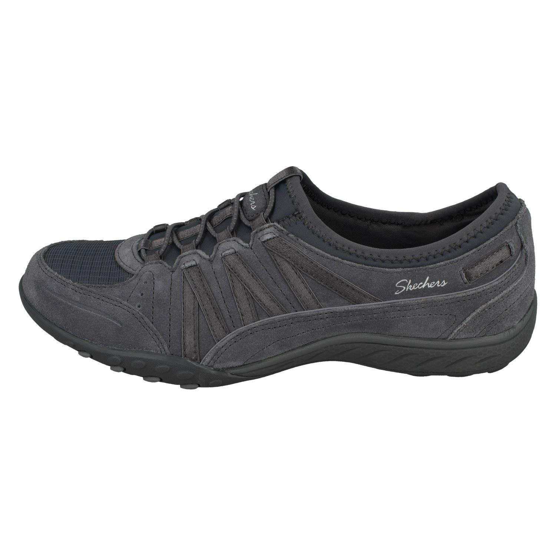 black skechers trainers