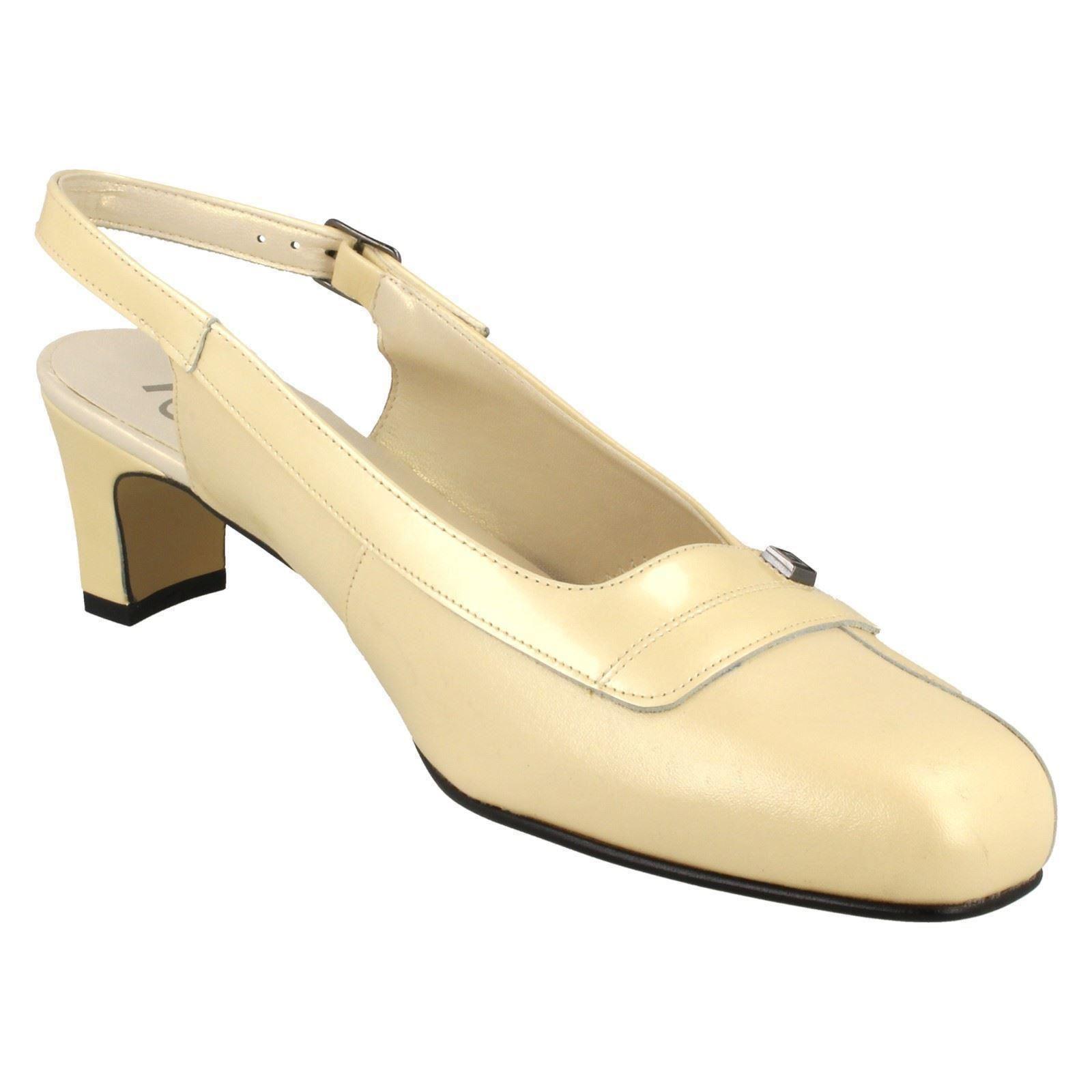 60b1f68ce82 Ladies Nil Simile Narrow Fitting Slingback Shoes Delaware Light Gold ...