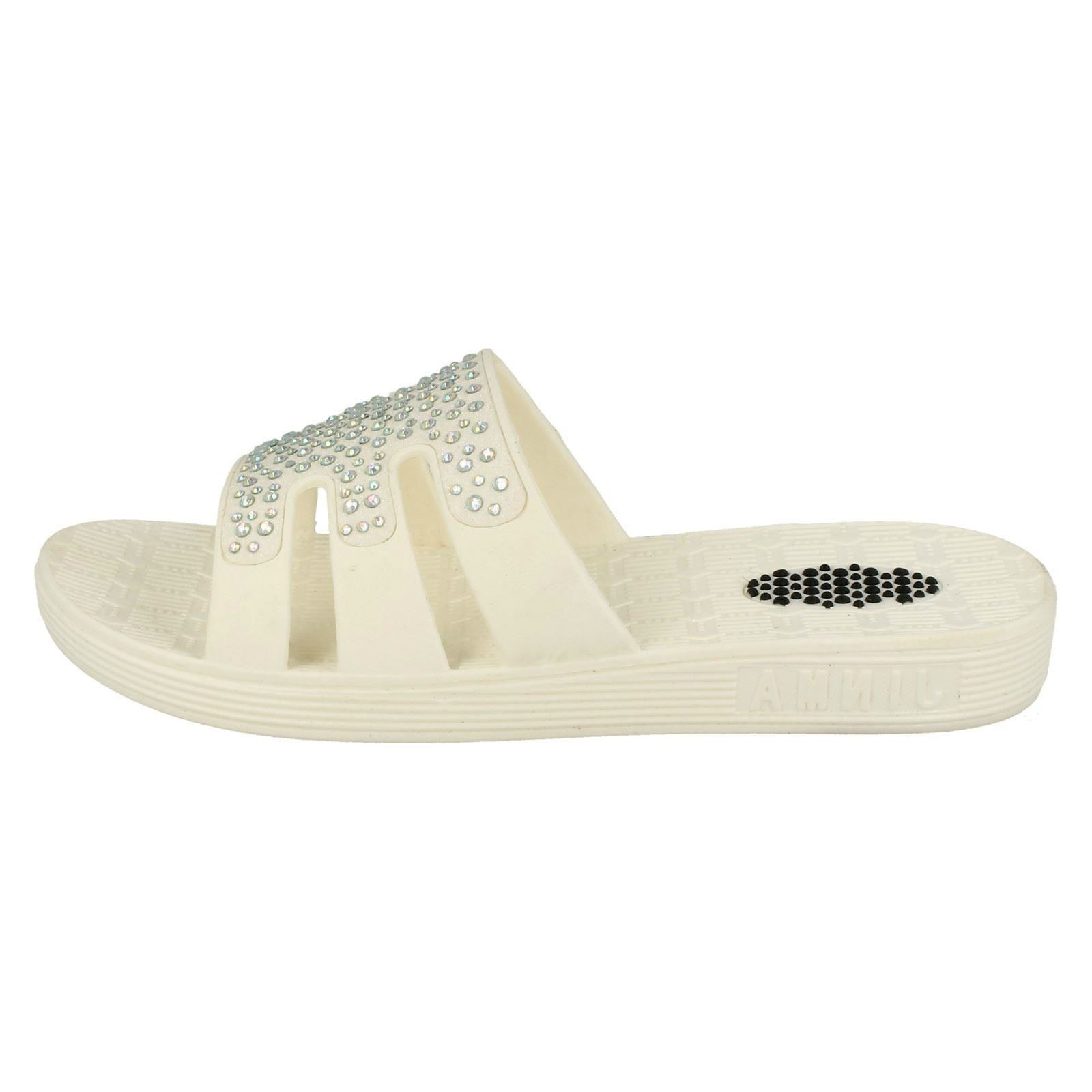 Damas Spot on Slip On Mulas