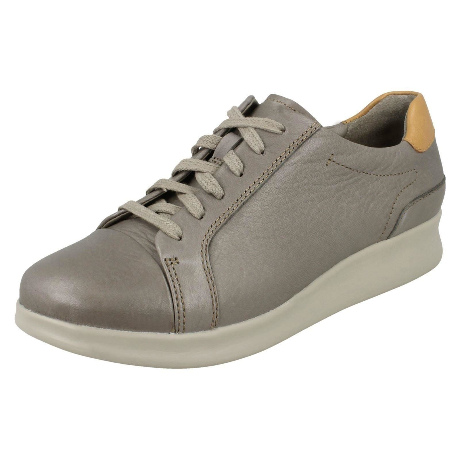 Clarks Ladies Casual Shoes