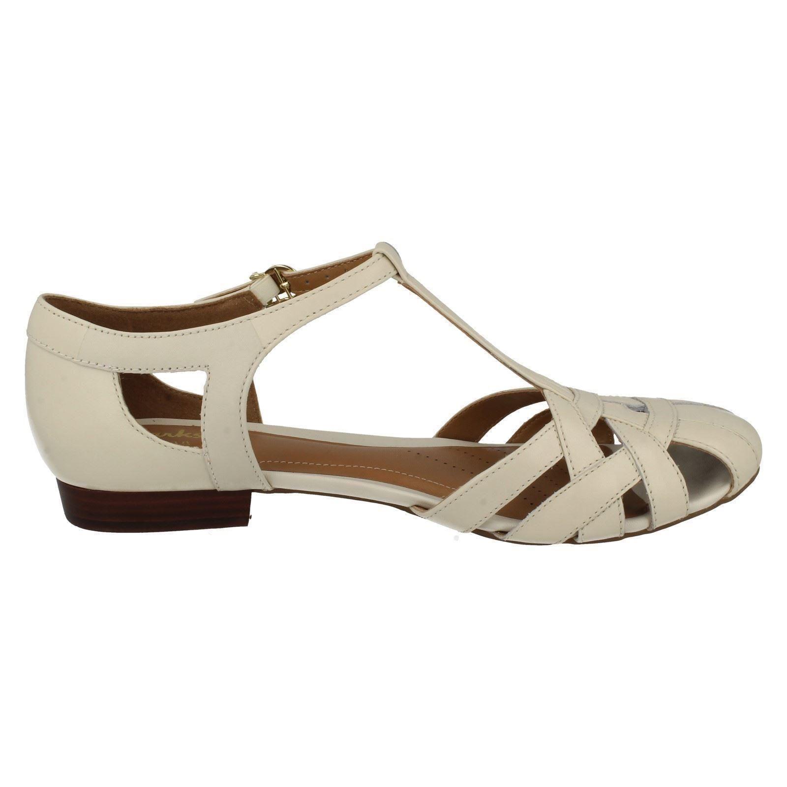 85fb5a727fe1d Ladies-Clarks-Summer-Shoes-Henderson-Luck thumbnail 15