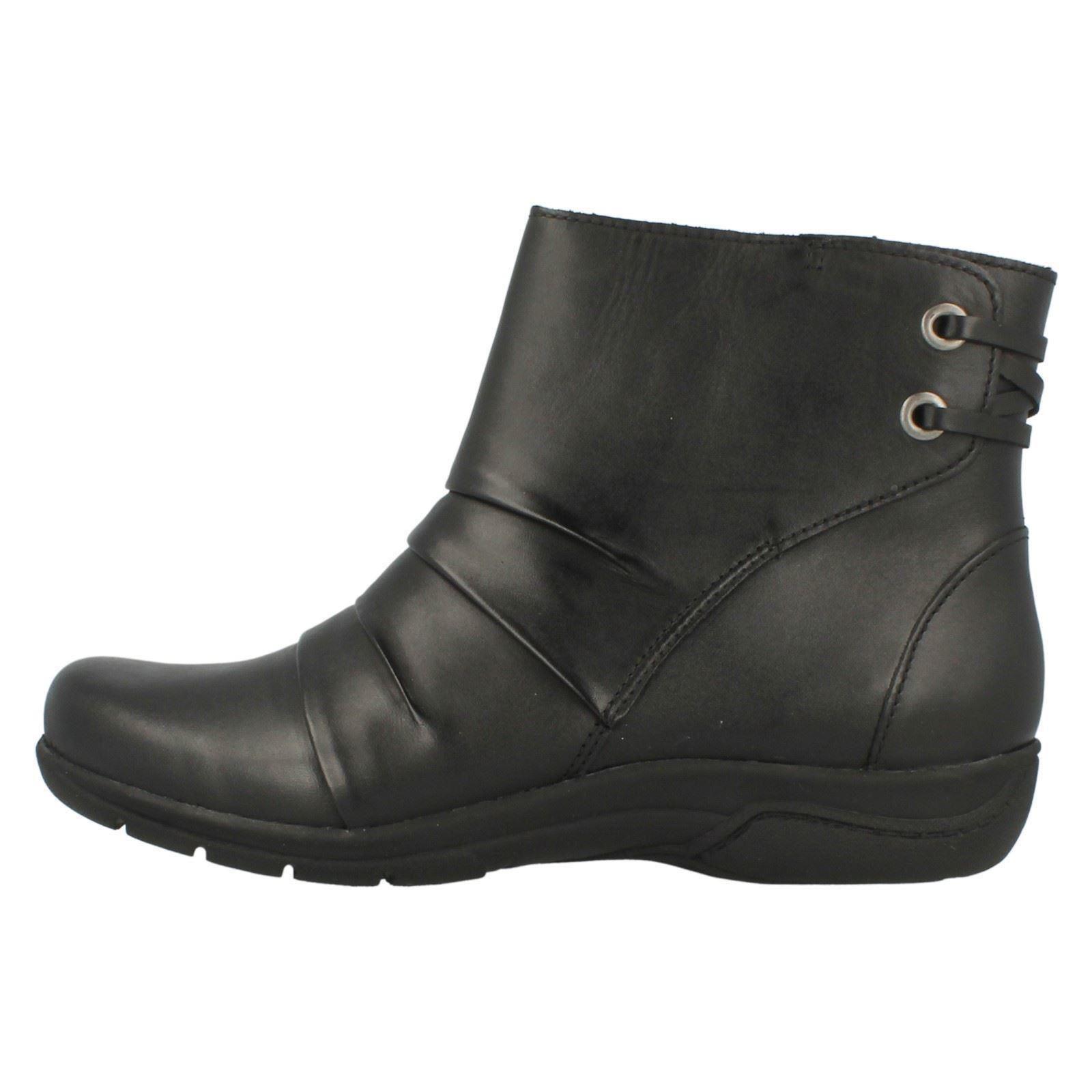 Zapatos especiales con descuento Ladies Clarks Ankle Boots Mells Ruth