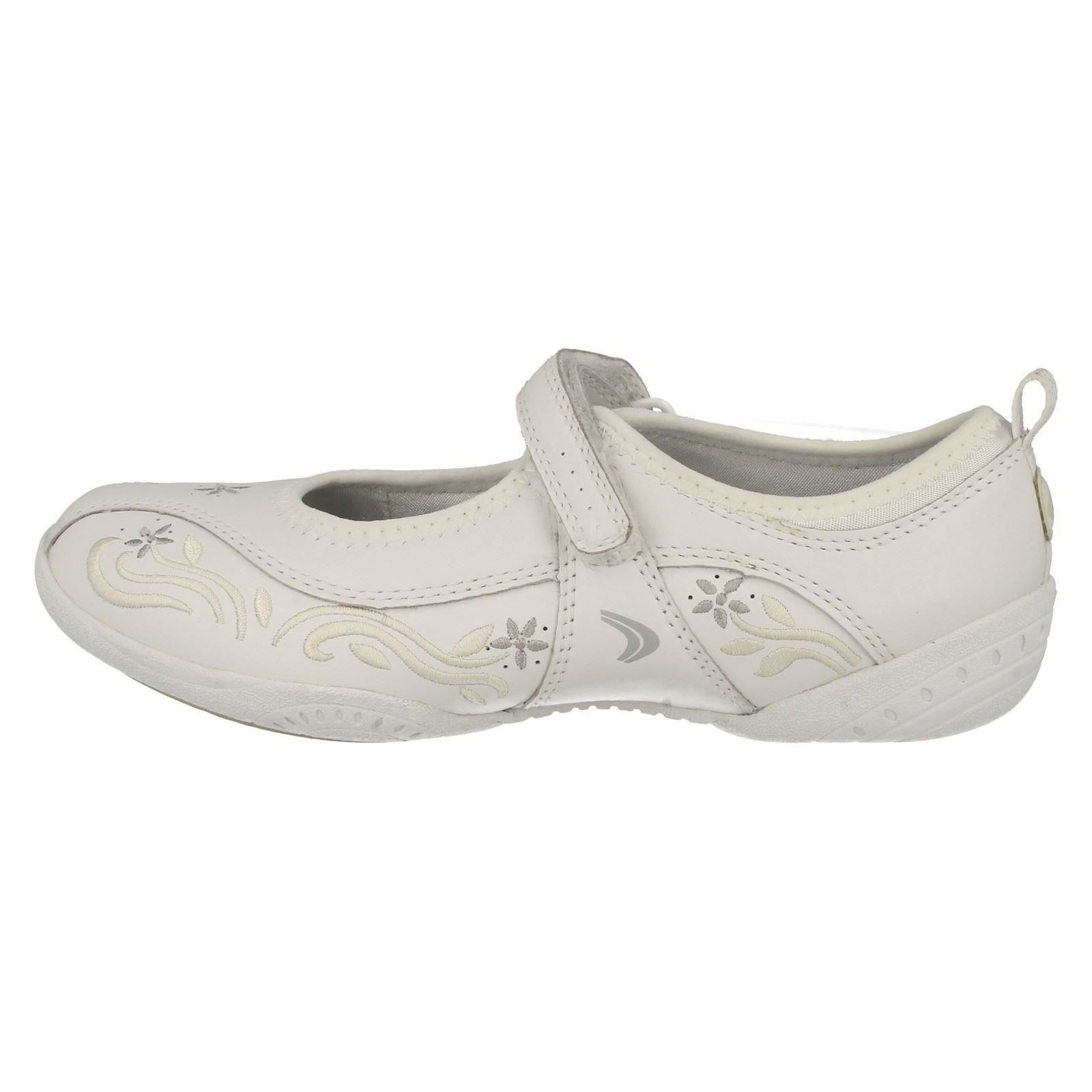 Clarks Girls Trainers Calm Yoga