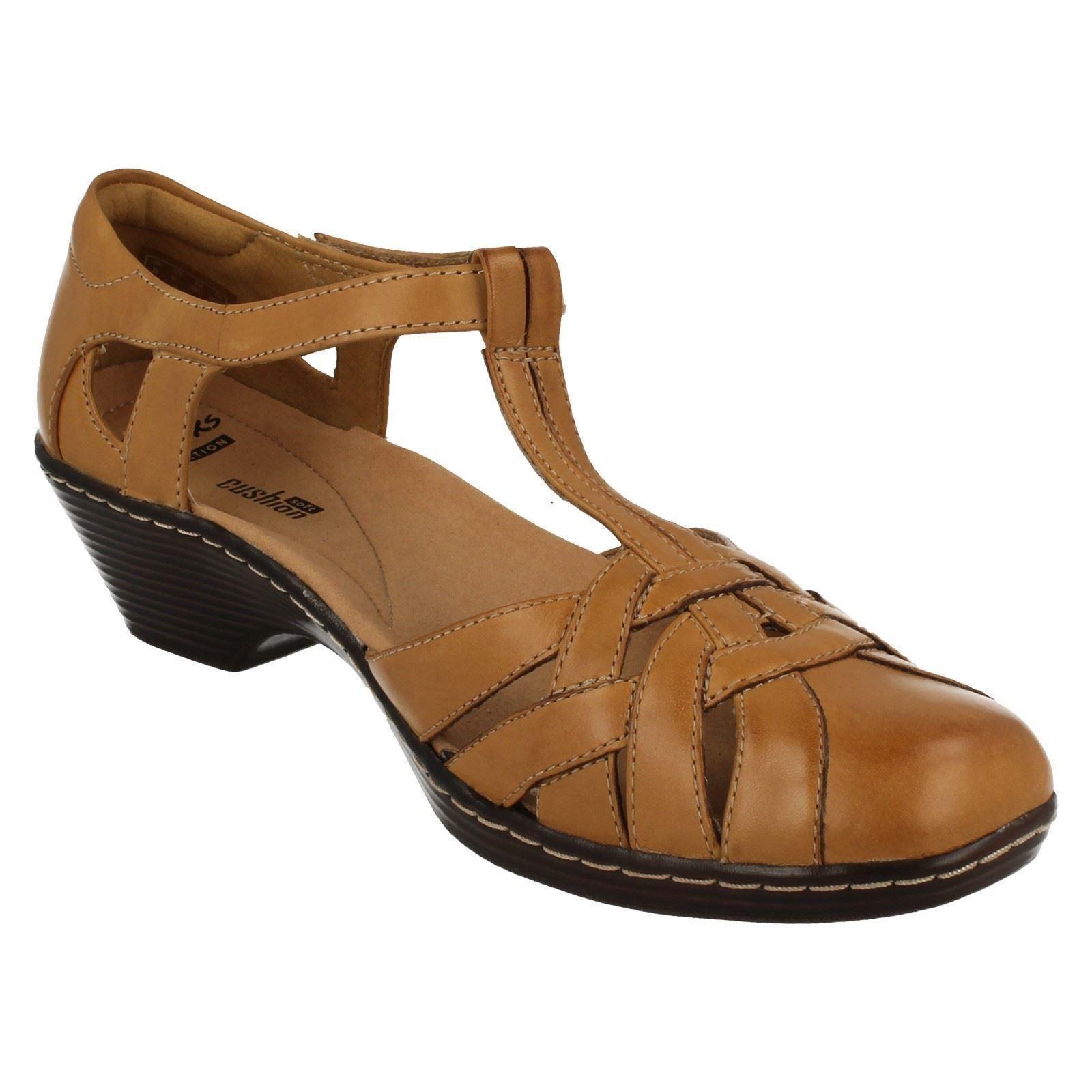 Clarks Loras Shoes
