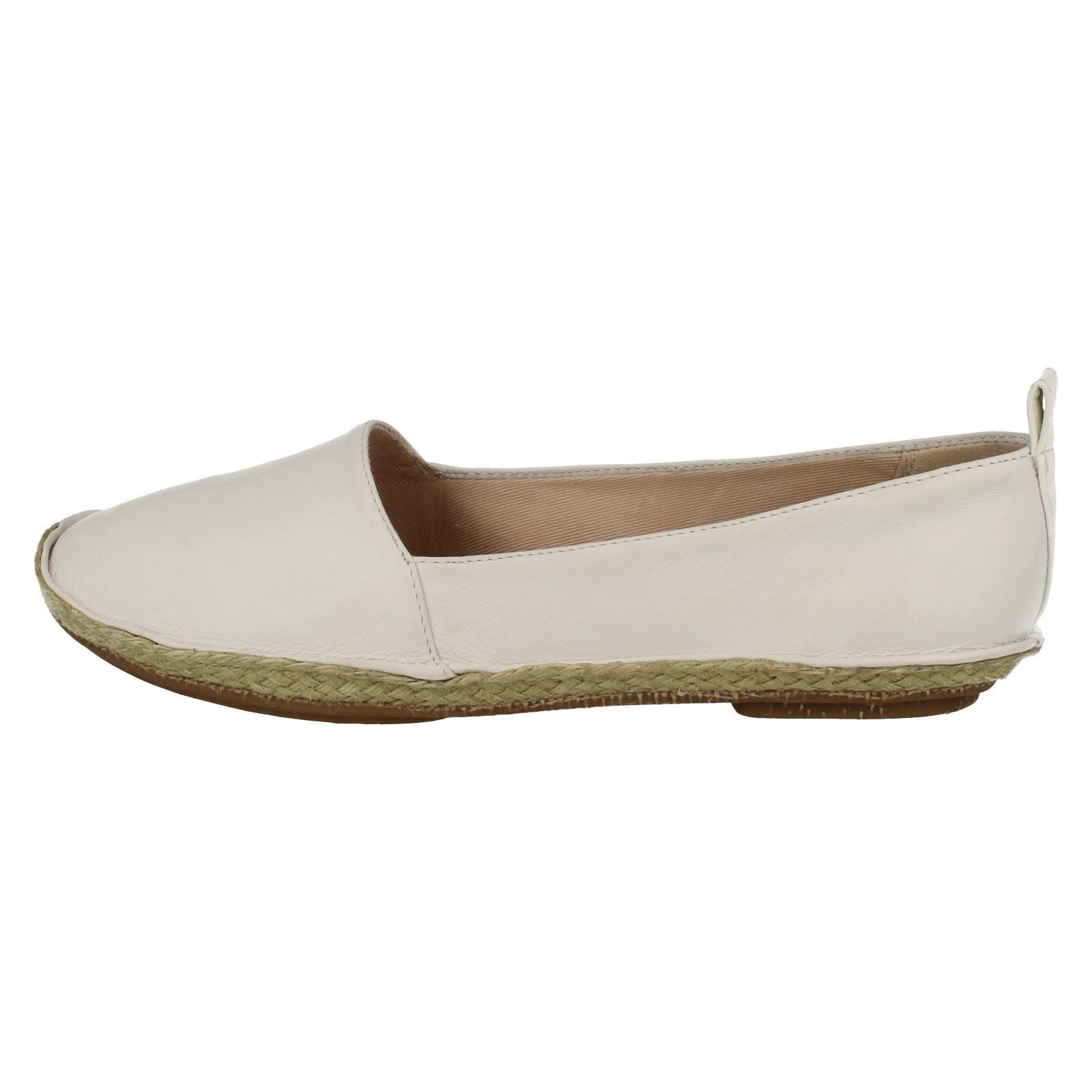 Clarks Mujer Planos Casual Zapatos SIN CIERRES CLOVELLY SOL
