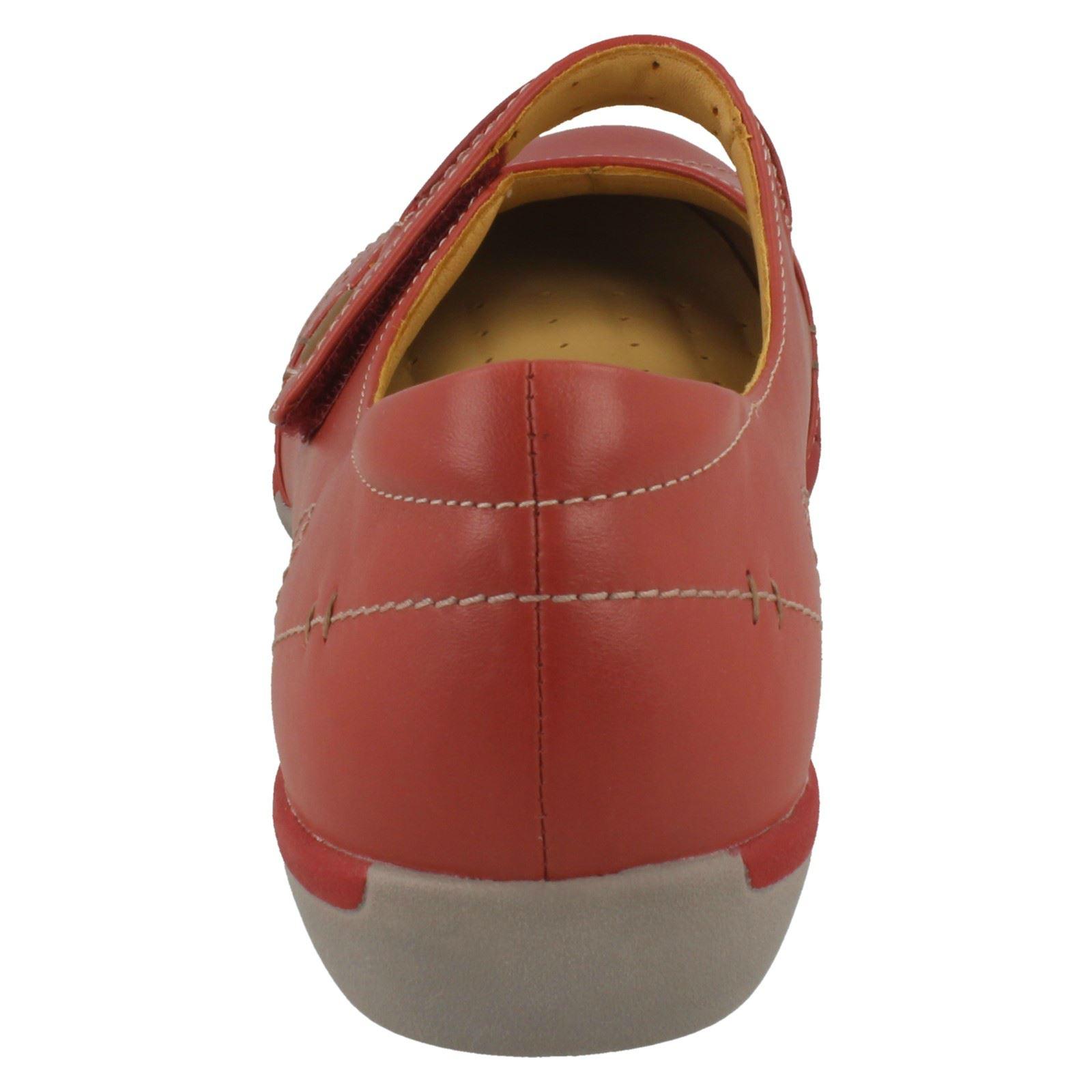 Femmes Clarks Unstructured Plat Chaussures ONU Helma