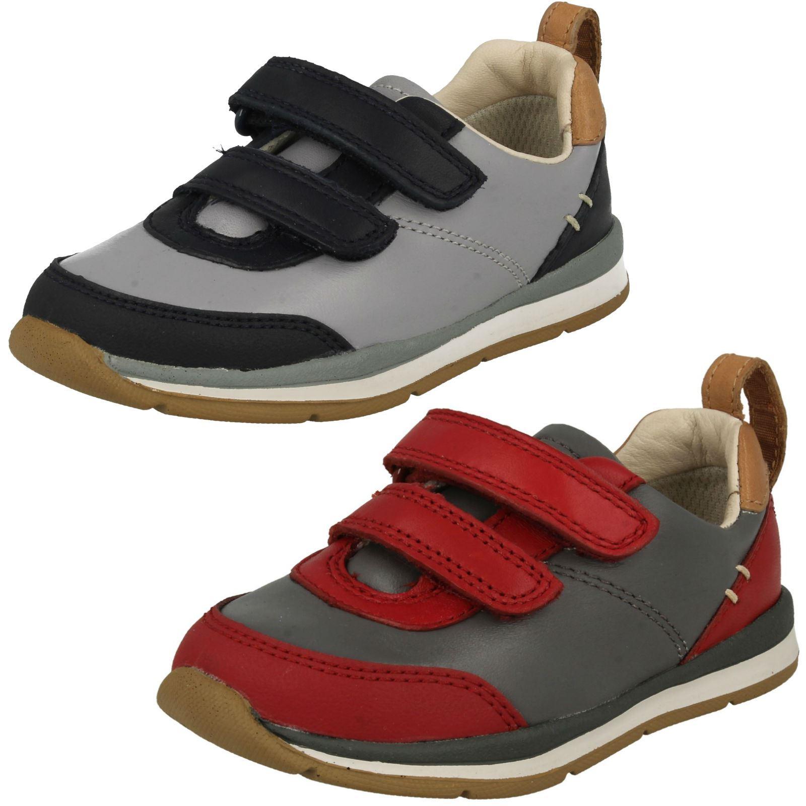 a9c029844aba9 Enfant Garçon Clarks Chaussures Premiers Pas 'Ferris Casquette' | eBay