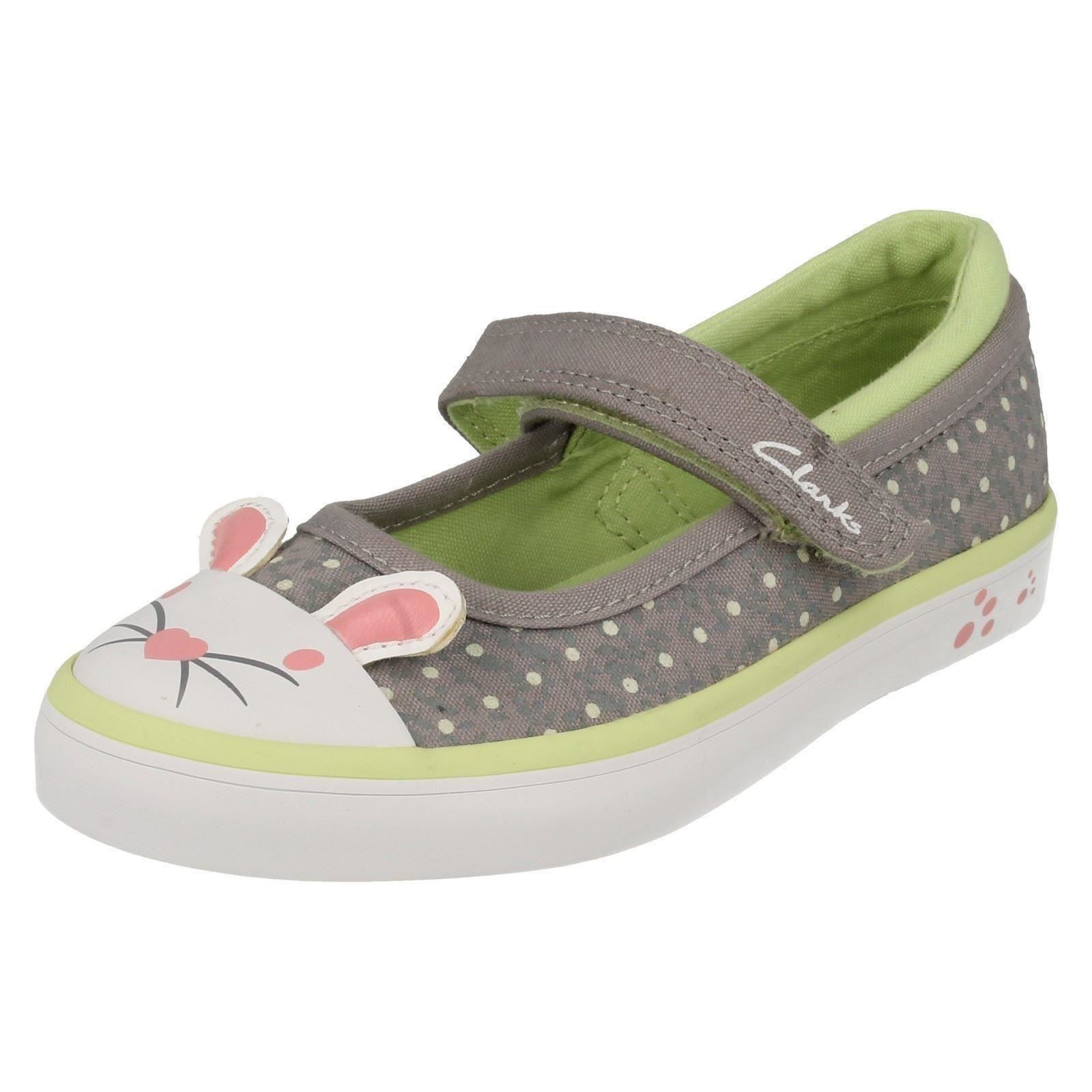 'Junior Girls Clarks' Rounded Toe Riptape Strap Canvas Pumps - Gracie Tale
