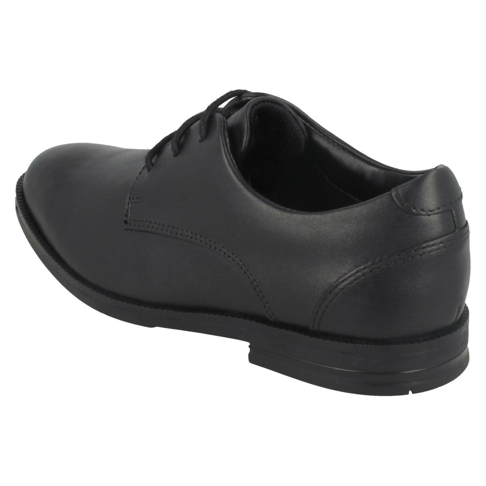 Clarks de cuero Bootleg negro escuela inteligentes punta zapatos Chicos Edge cordones con redondeada de Rufus y 0dpq8
