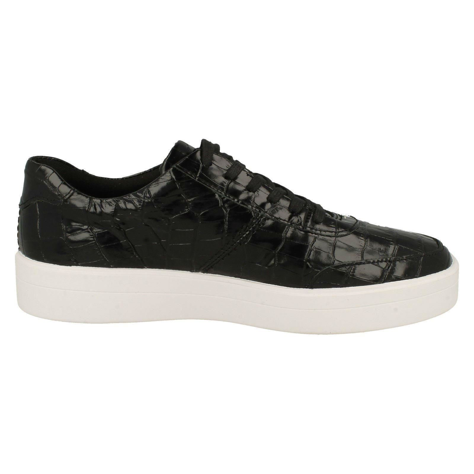 Hero Walk Ladies Clarks Animal Detailed Lace Up Shoes