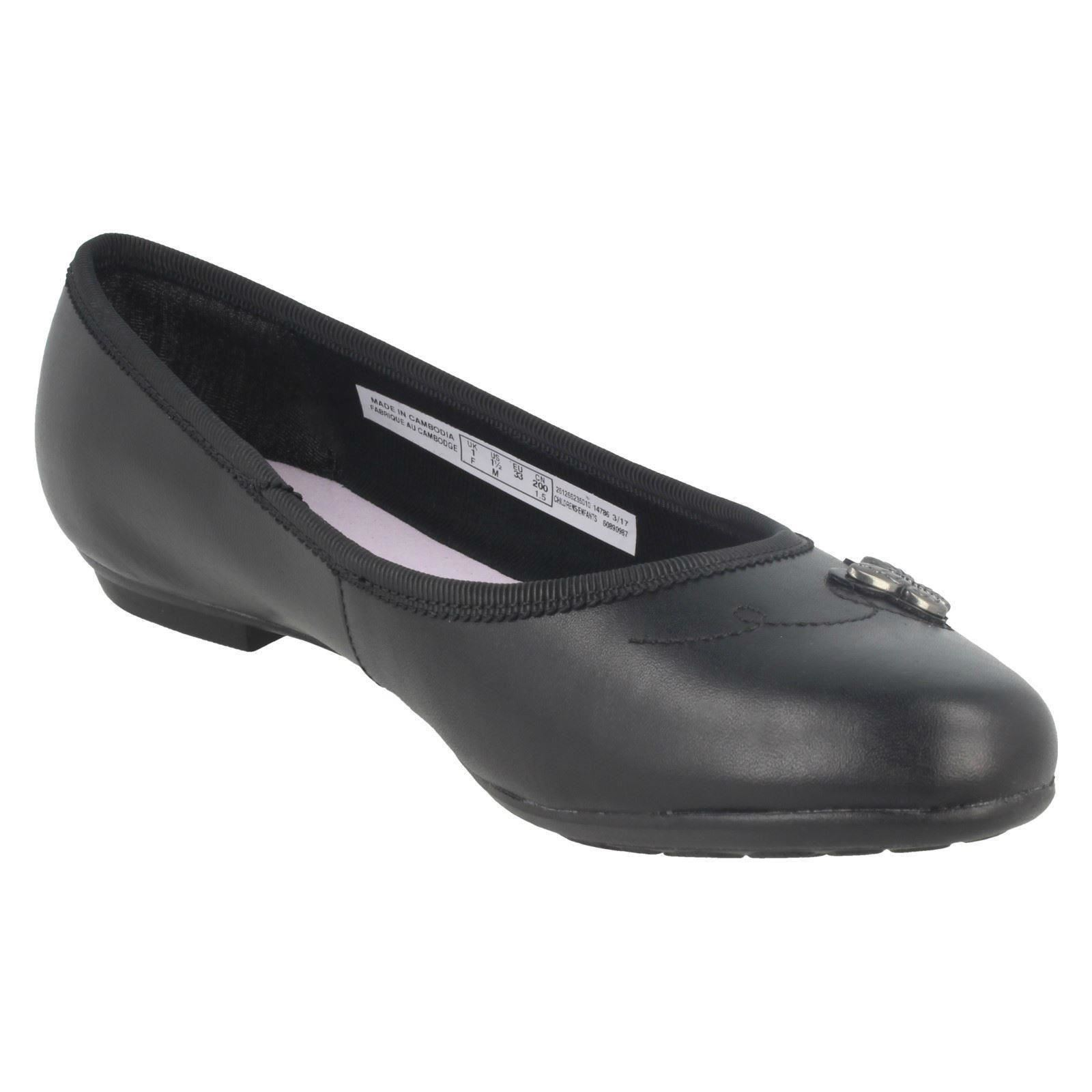 Chicas Clarks Zapatos Escolares Plana Con Detalle De Mariposa Abitha Rae