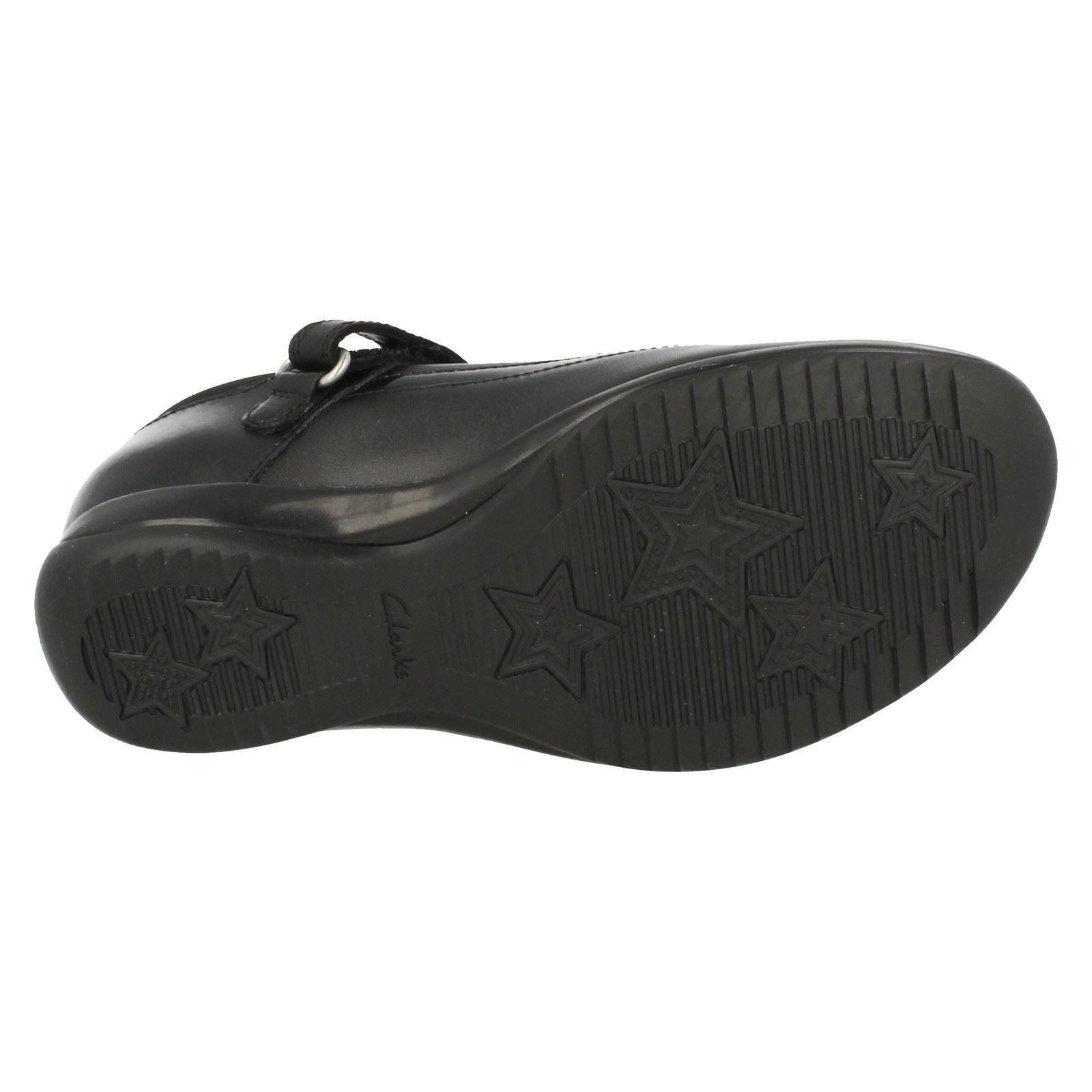 Girls Clarks Hook & Loop Rounded Toe Hidden Toy School Shoes Daisy Locket