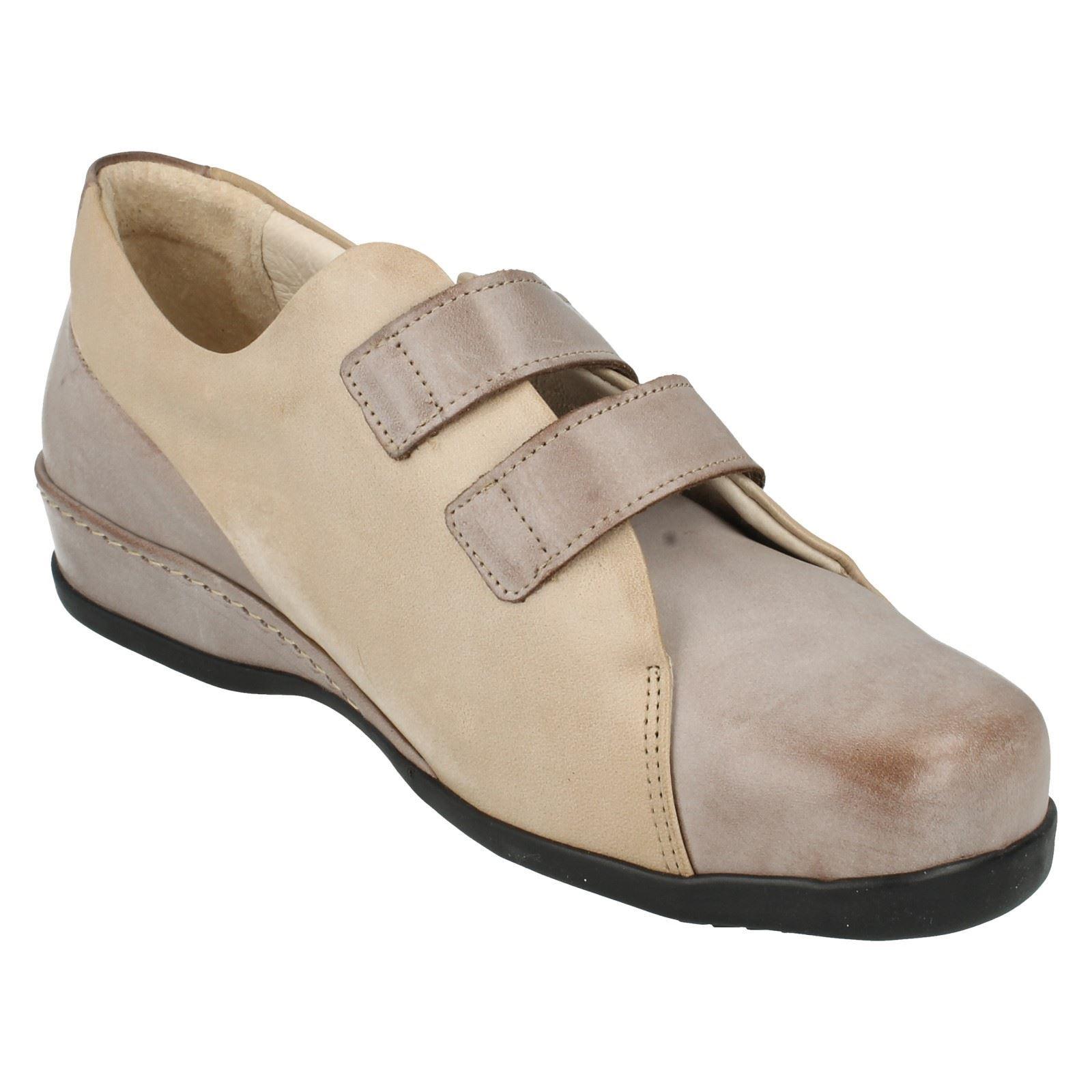 R7A Sandpiper Weston Ladies Chestnut Shoes