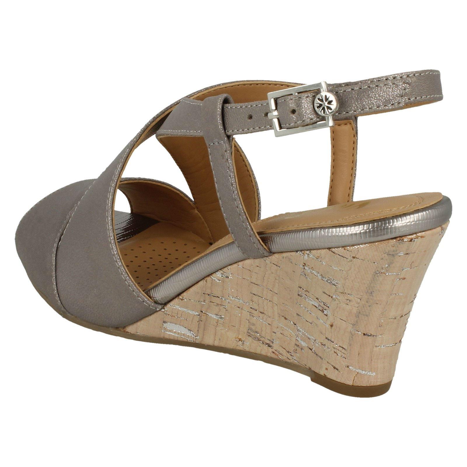 Ladies-Van-Dal-Cross-Strap-Wedged-Sandal-Allora thumbnail 23