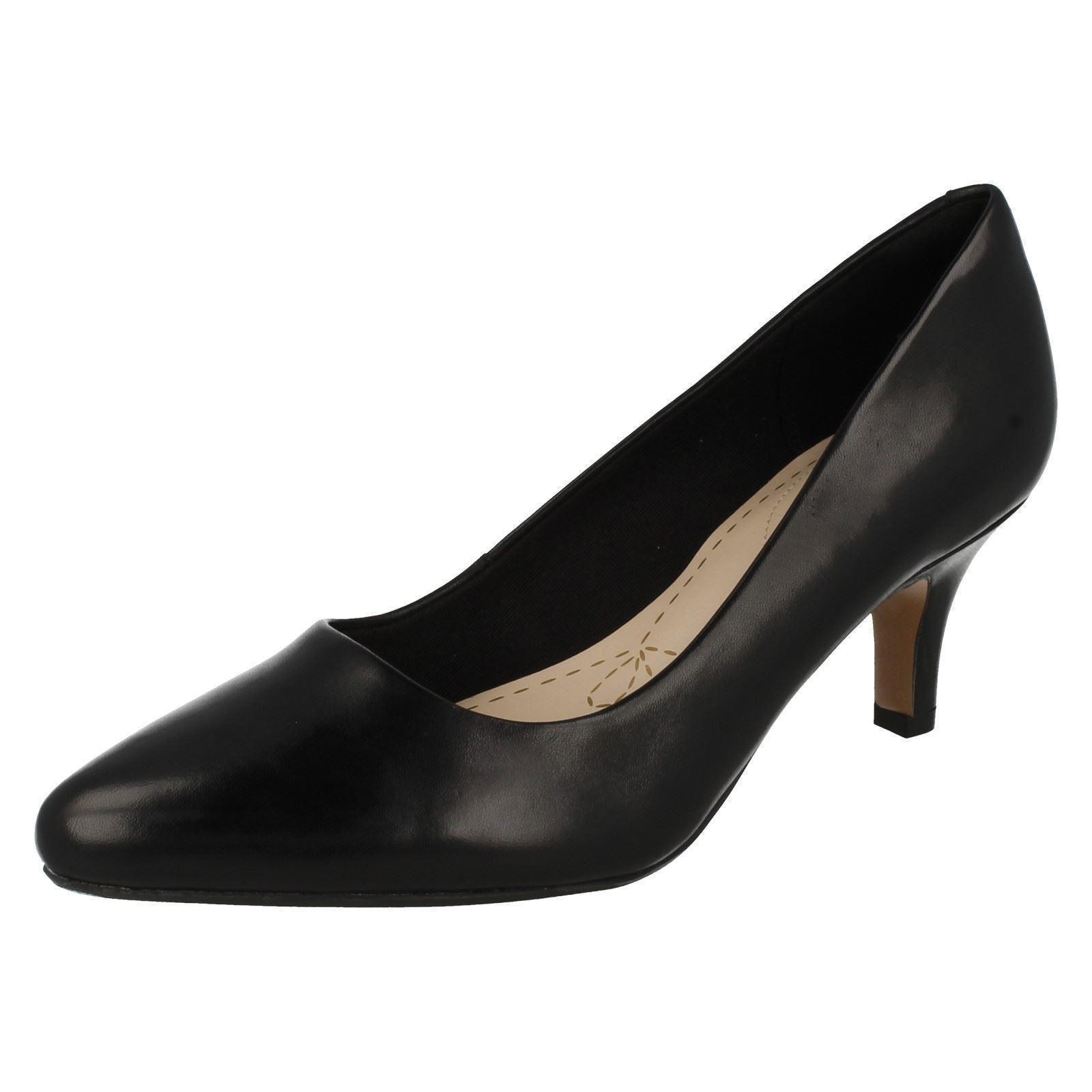 CLARKS Para Dama Casual Zapatos de salón - Isidora Faye
