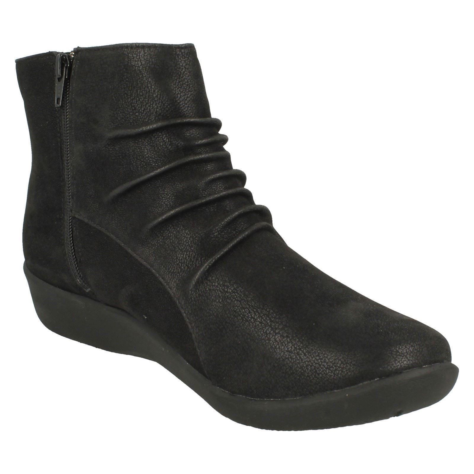 Ladies Clarks Cloud Steppers Boots Sillian Chell