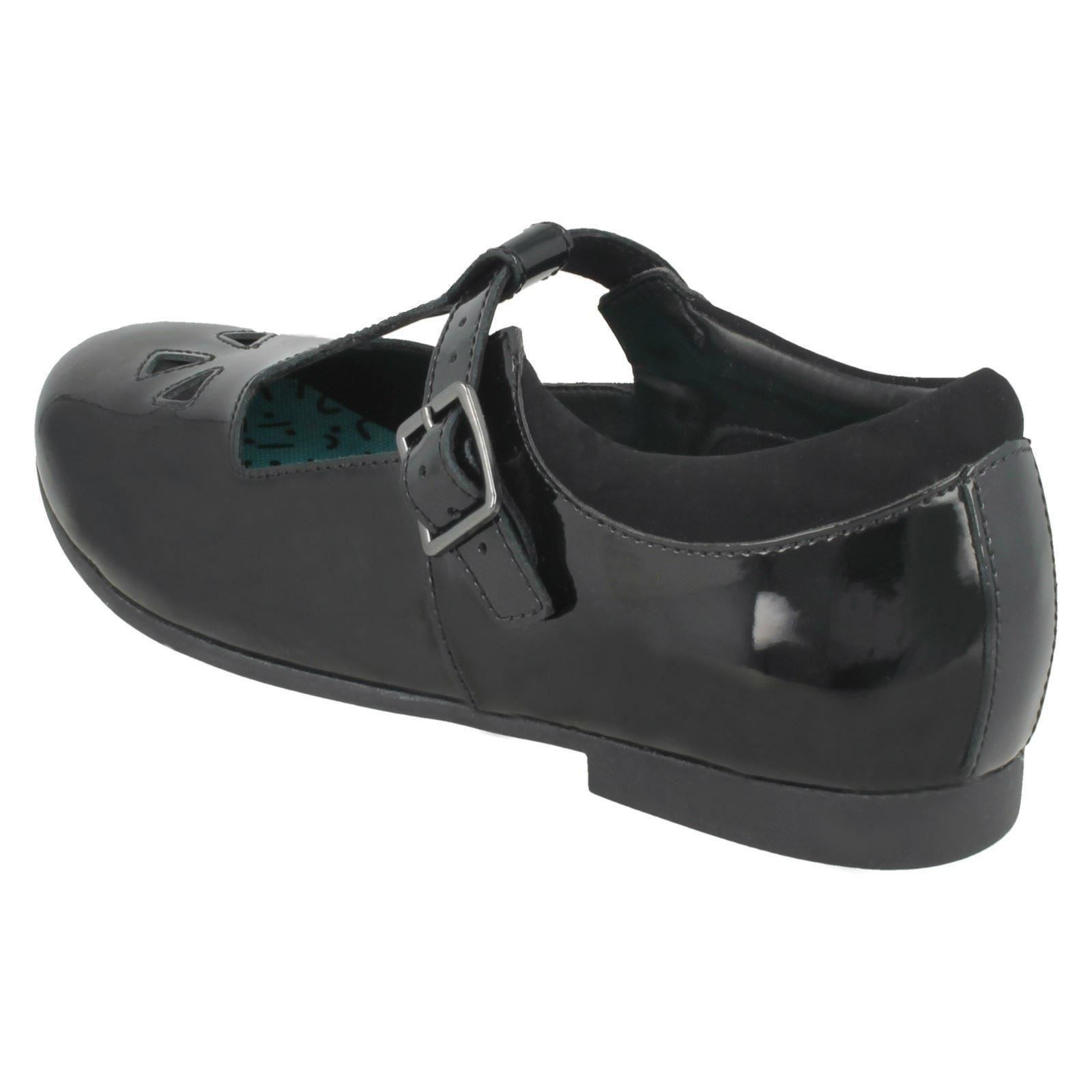 BLACK PATENT LEATHER GIRLS T-BAR SCHOOL SHOES CLARKS SELSEY PLAY