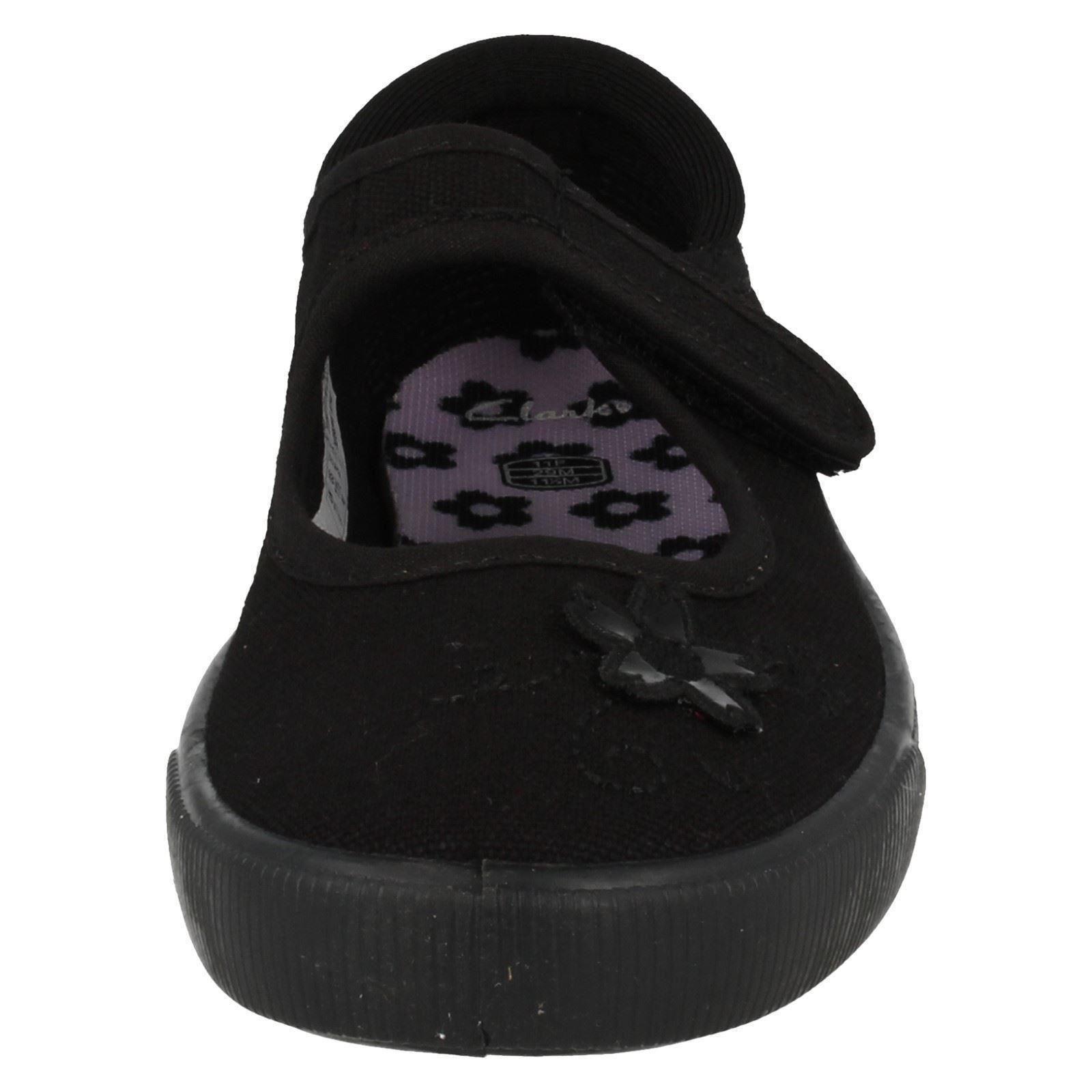 Infantil y Junior Girls Clarks's redondeado del dedo del pie bombas ideal para PE-Tolva ir