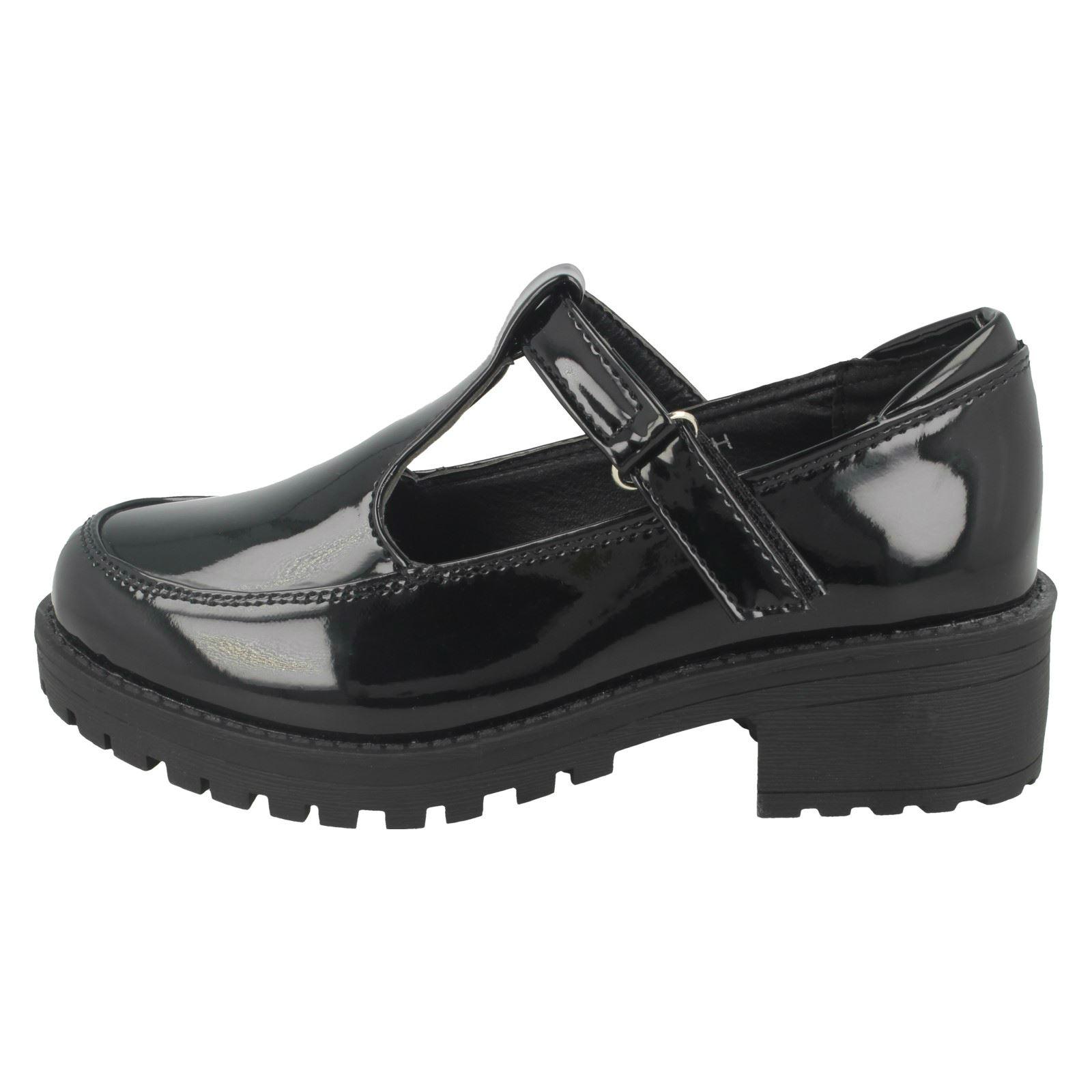 Girls Cool For School Mid Heel T-Bar School Shoes /'H3069/'