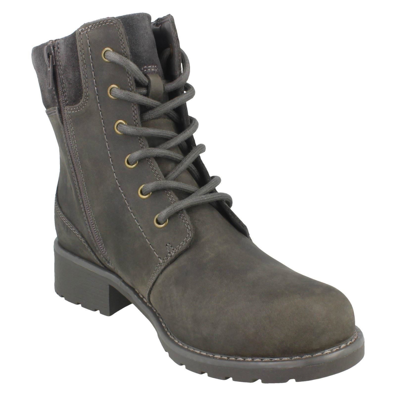 Ladies-Clarks-Casual-Lace-Up-Inside-Zip-Nubuck-Leather-Ankle-Boots-Orinoco-Spice thumbnail 44