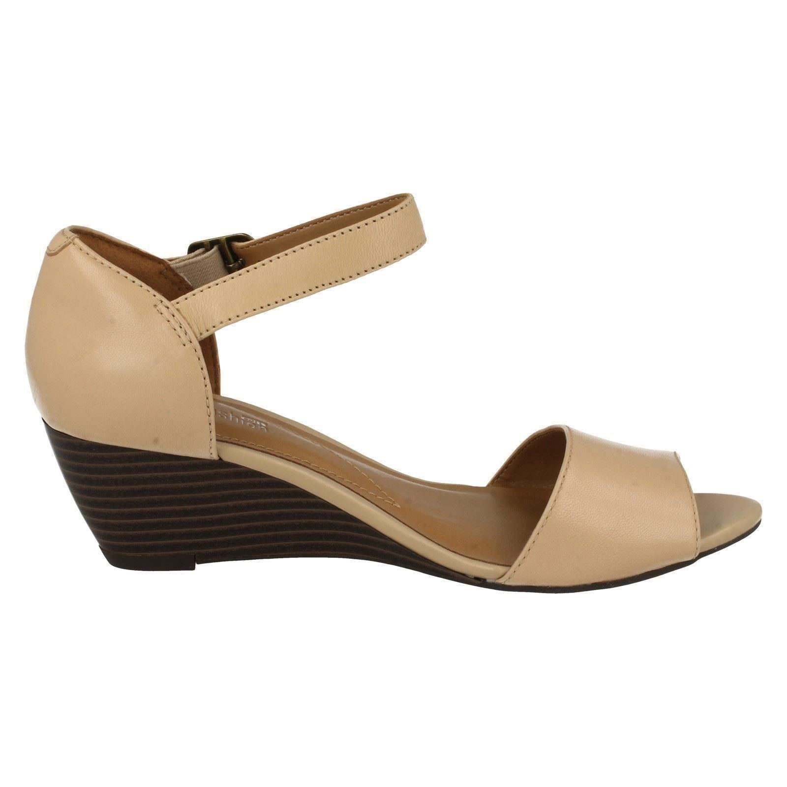 be0ff1941024 Ladies-Clarks-Smart-Wedge-Sandals-039-Brielle-Drive-