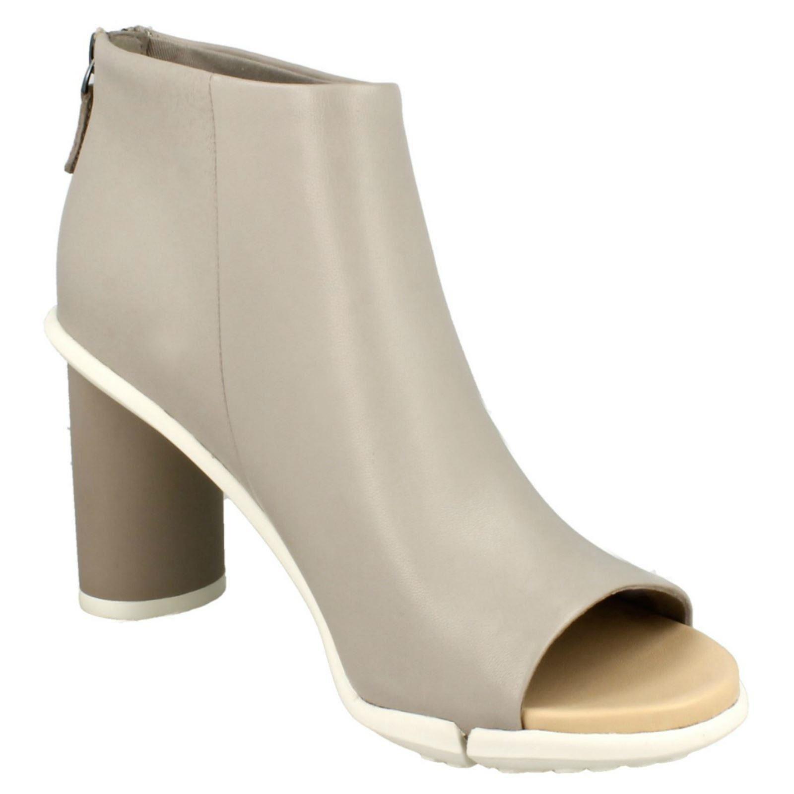 Damas Clarks Imali Peonía Peonía Peonía Peep Toe botas 8d6d35