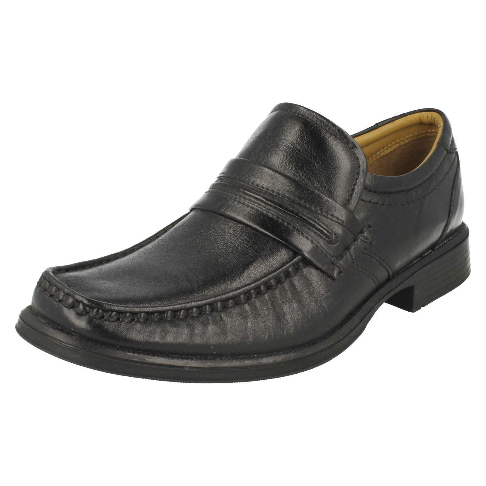 Mens resbalón en Zapatos Clarks Gancho de trabajo formal