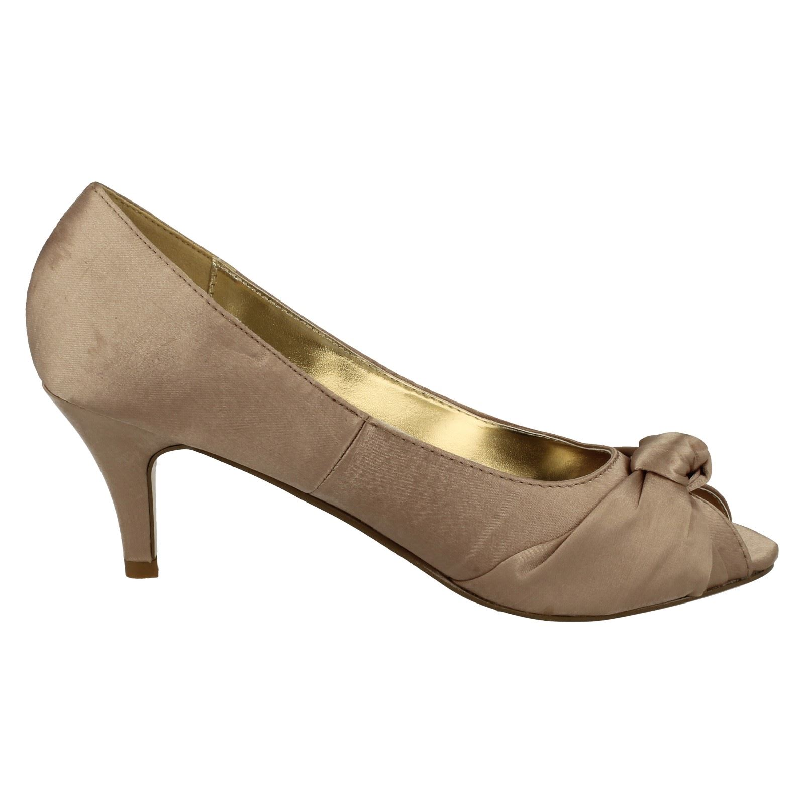 Anne-Michelle-Ladies-Knot-Detail-Peep-Toe-Court-Shoe thumbnail 34
