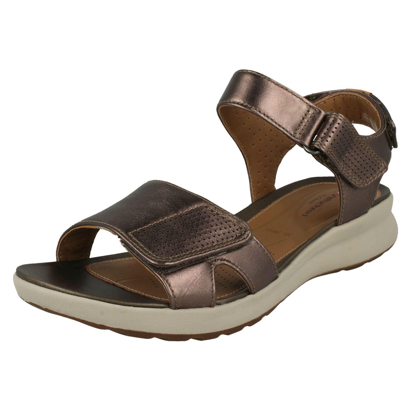 23c45832d9f Ladies Clarks Unstructured Wide Fit Hook   Loop Leather Sandals Un Adorn  Calm