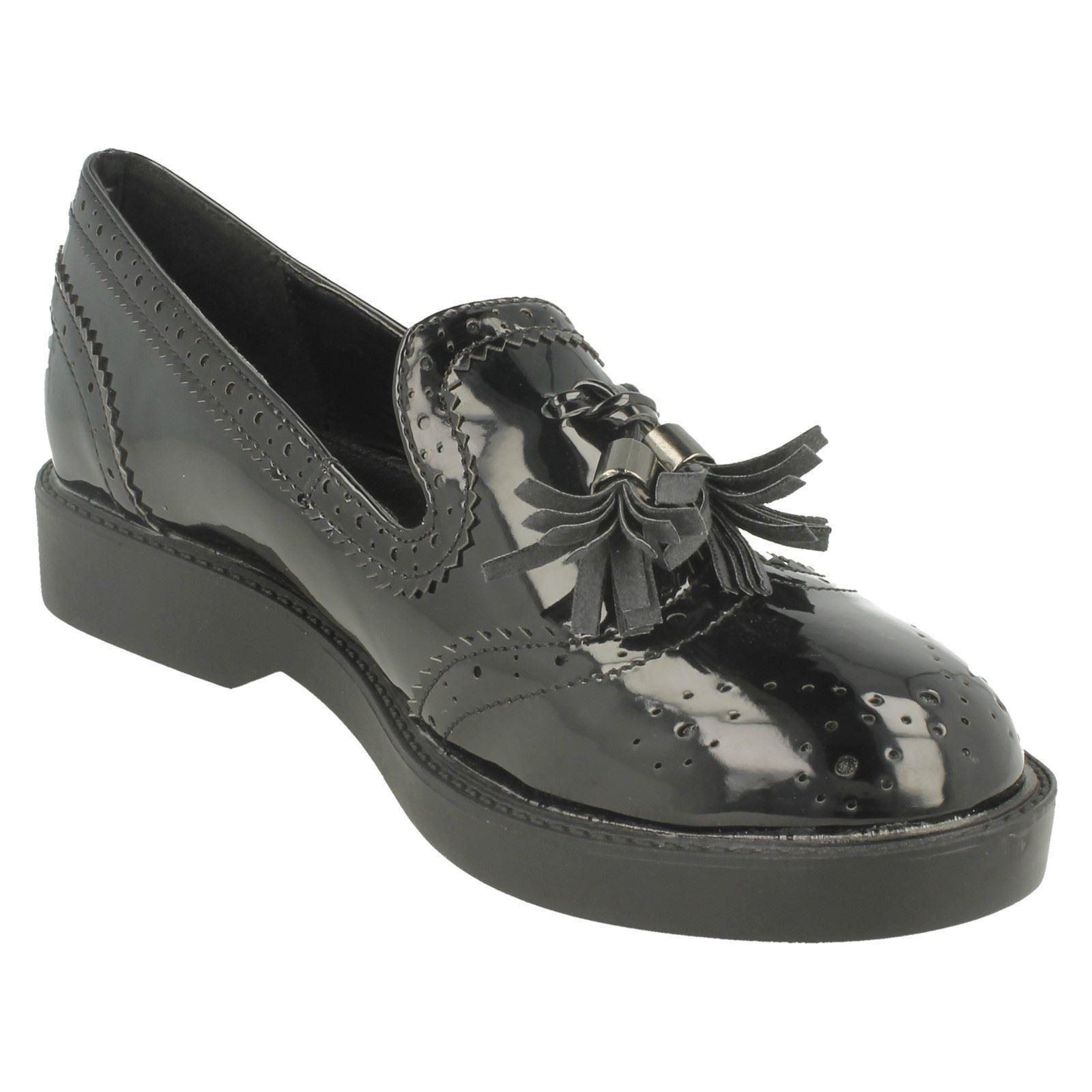 Ladies Spot On Mid Heel Tassel Vamp Brougue Shoe