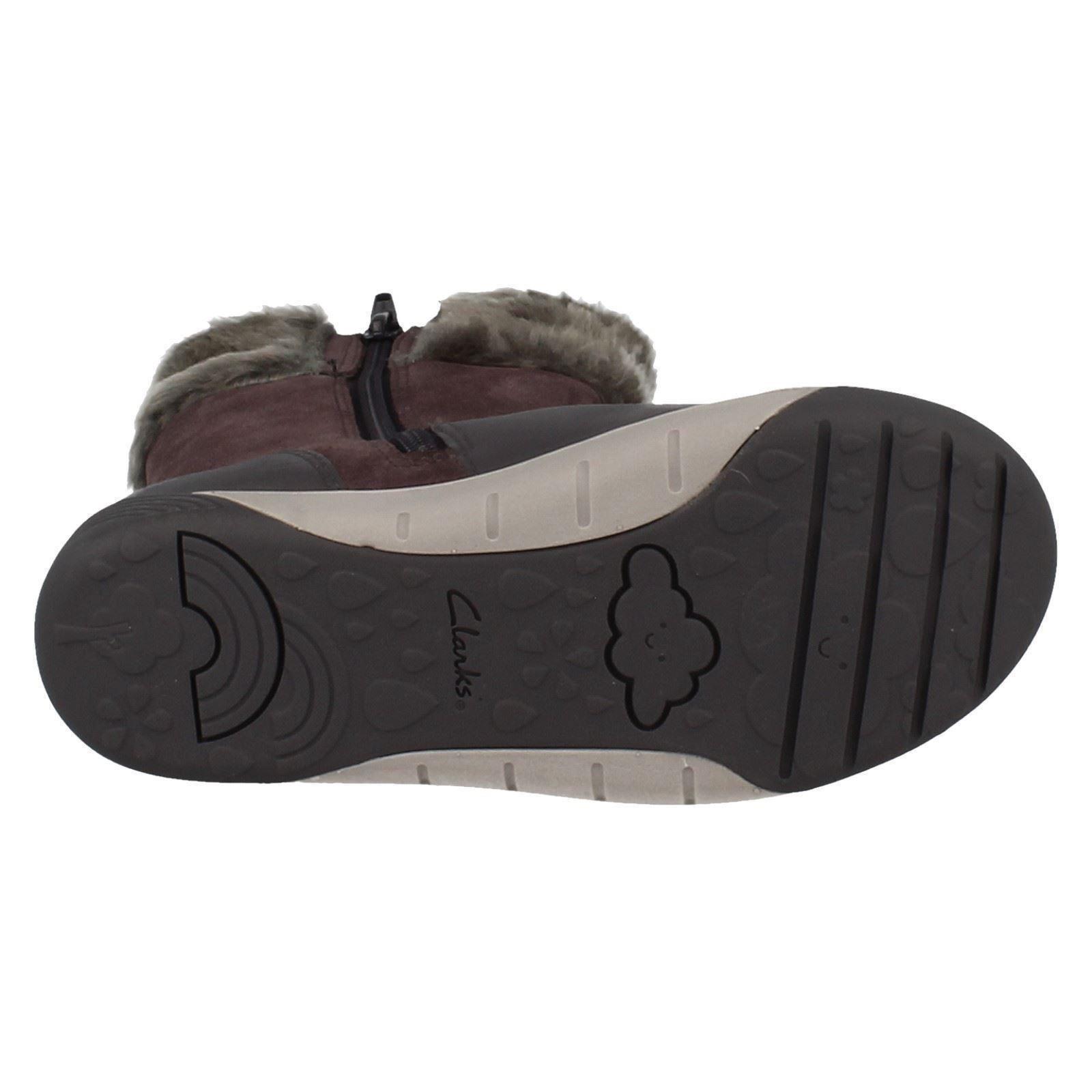 f19f6fdad09ac Clarks Girls Calf Length Winter Boots - Lil Folk Rae | eBay