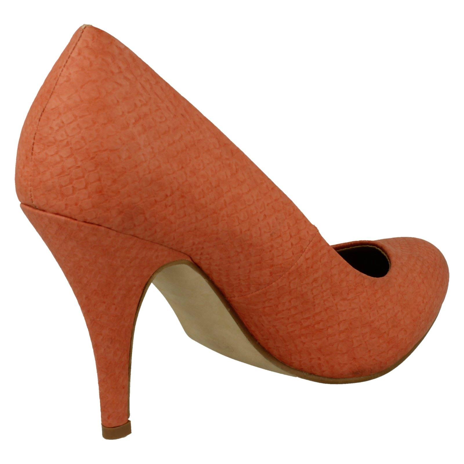 Damas Spot On Tacón Alto Court Shoe