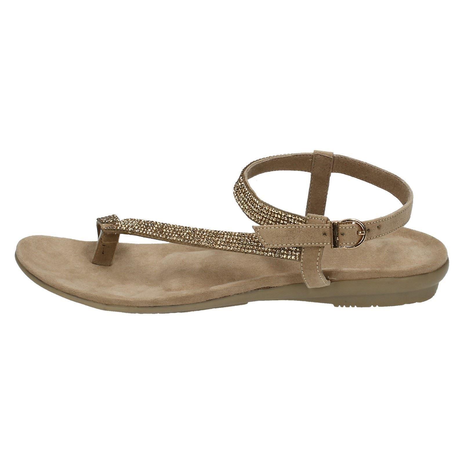 Toe Loop Shoes
