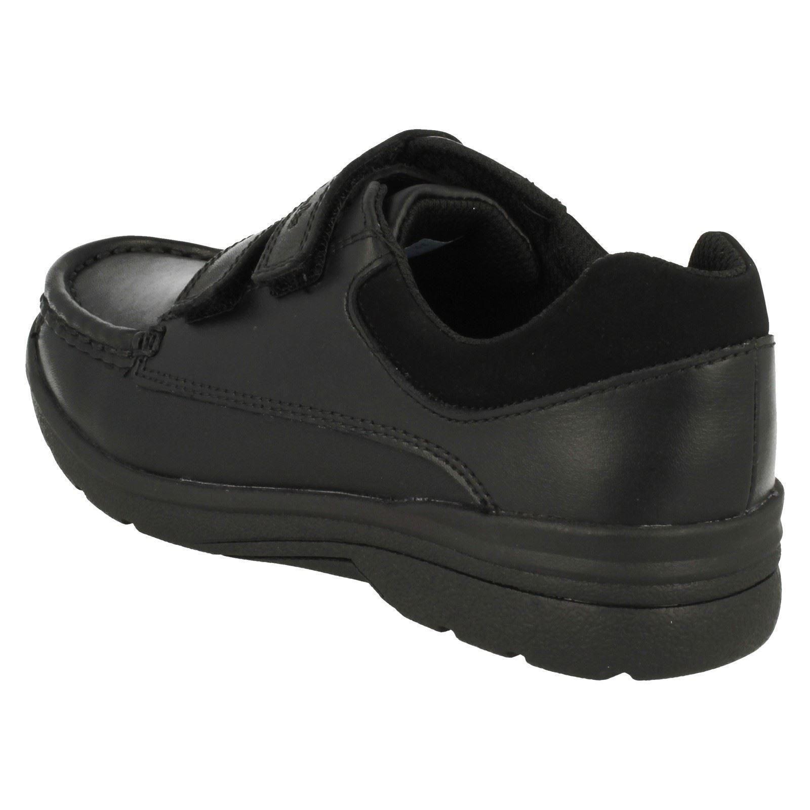 de Clarks Negro Zapatos Play inteligentes de la cuero escuela para niños Obie qHH71wTt