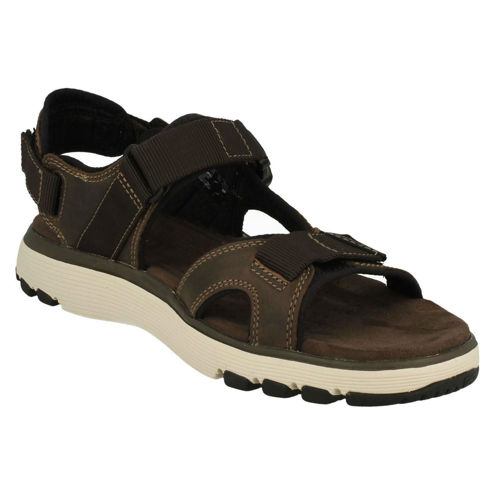 Mens Clarks Strapped Open Toe Sandals Un Trek Bar
