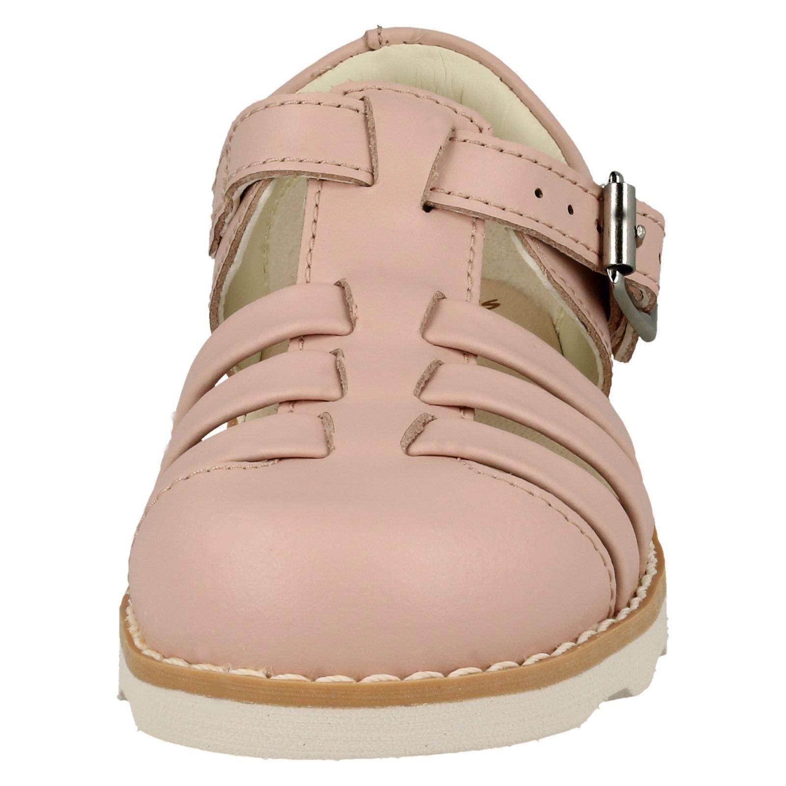 Childrens Boys Girls Clarks Closed Toe Sandals /'Crown Stem/'