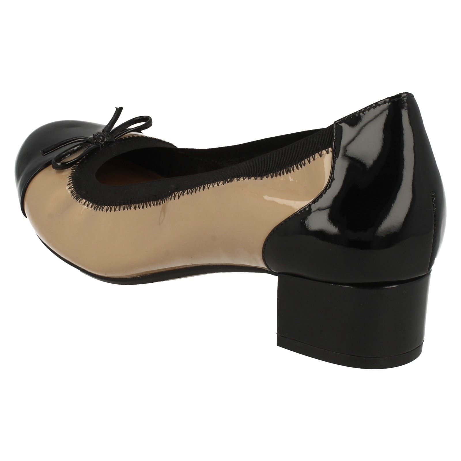 Clarks moda para Natural tacón bajo Zapatos Poema de Balcón mujer beige de qqrTwZxUWH