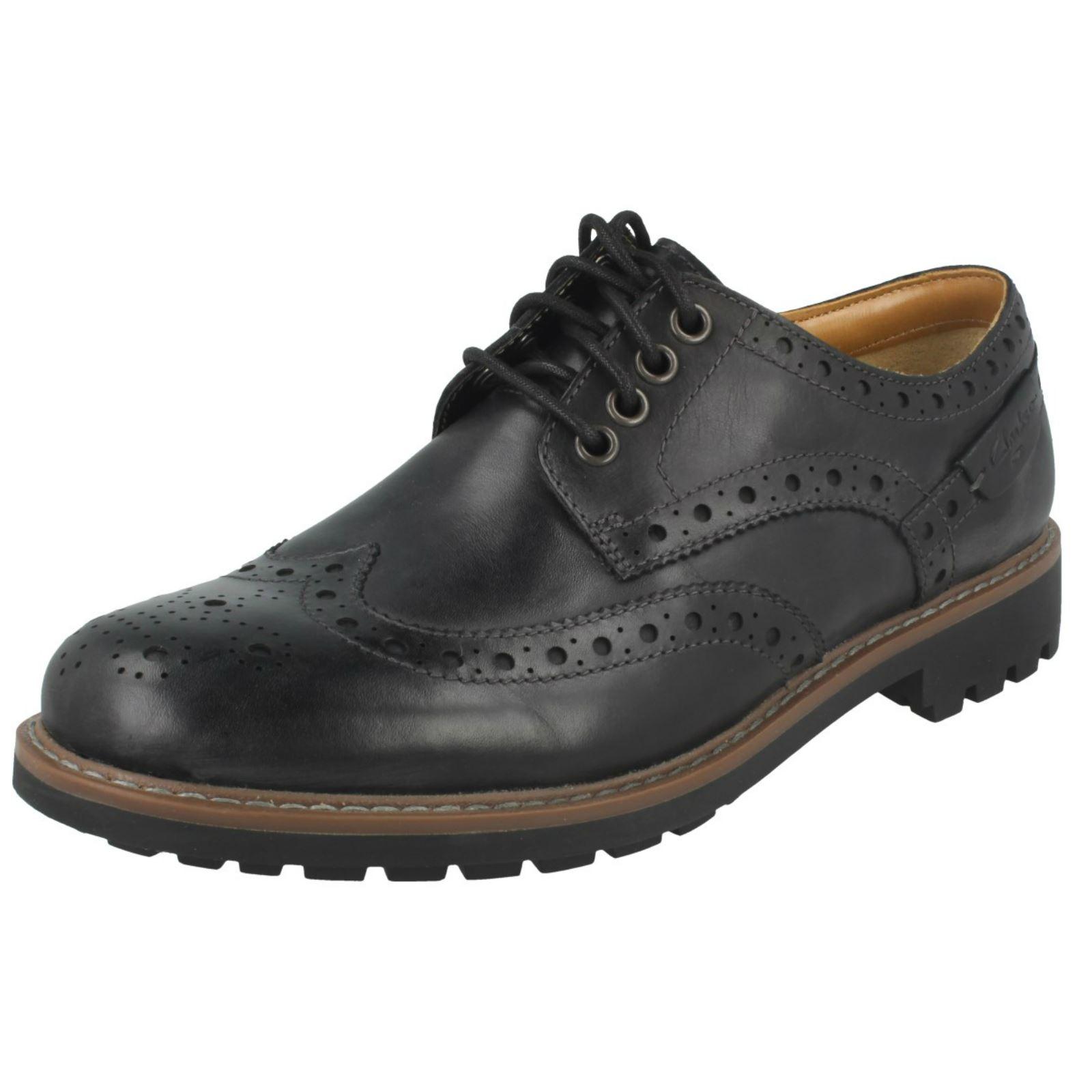 3c8e1a1084c66 Clarks Montacute Wing - Black Leather Mens Shoes 11 UK 20646417   eBay