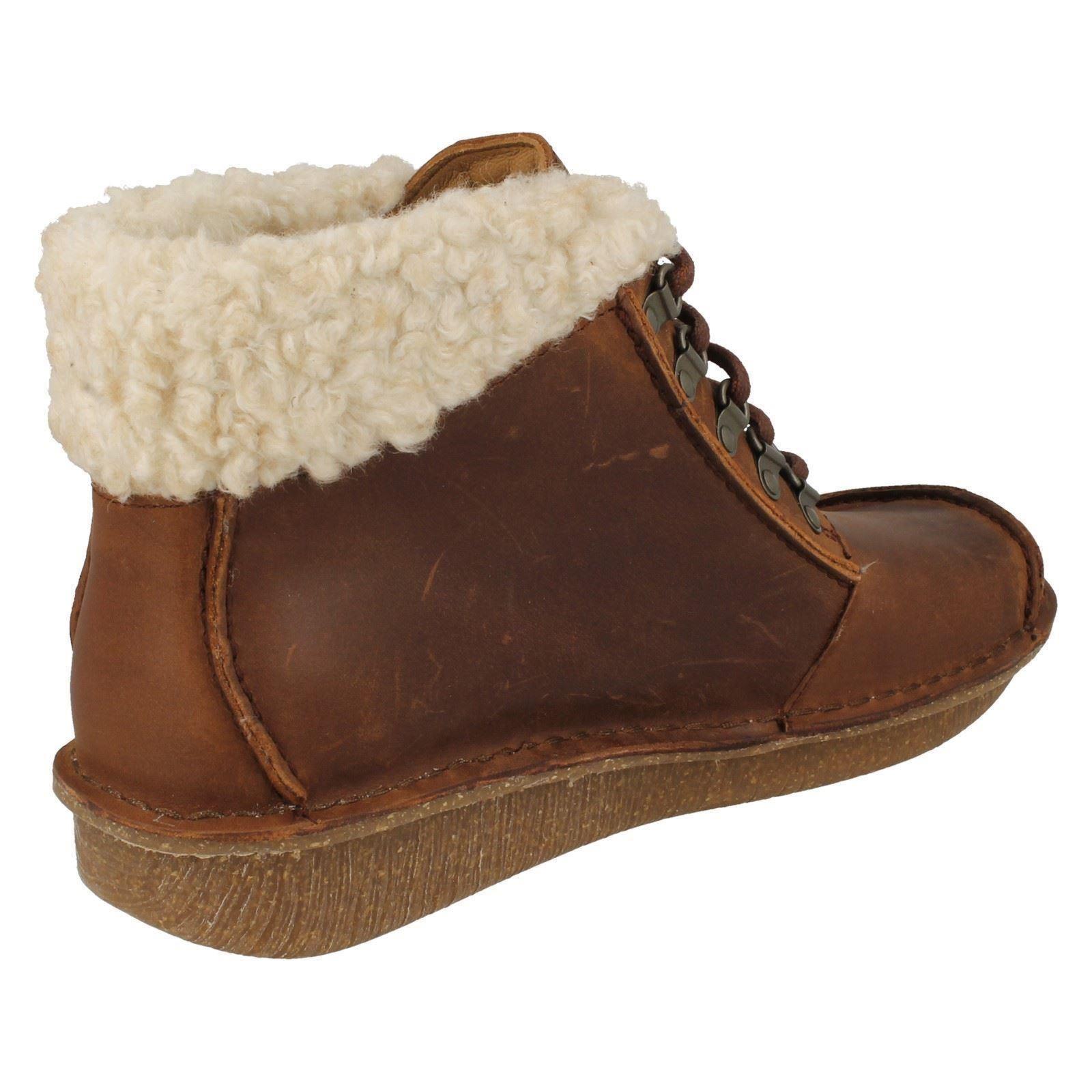 Top de las Señoras Clarks Piel Clarks Señoras botas al Tobillo Funny Girl 11e066