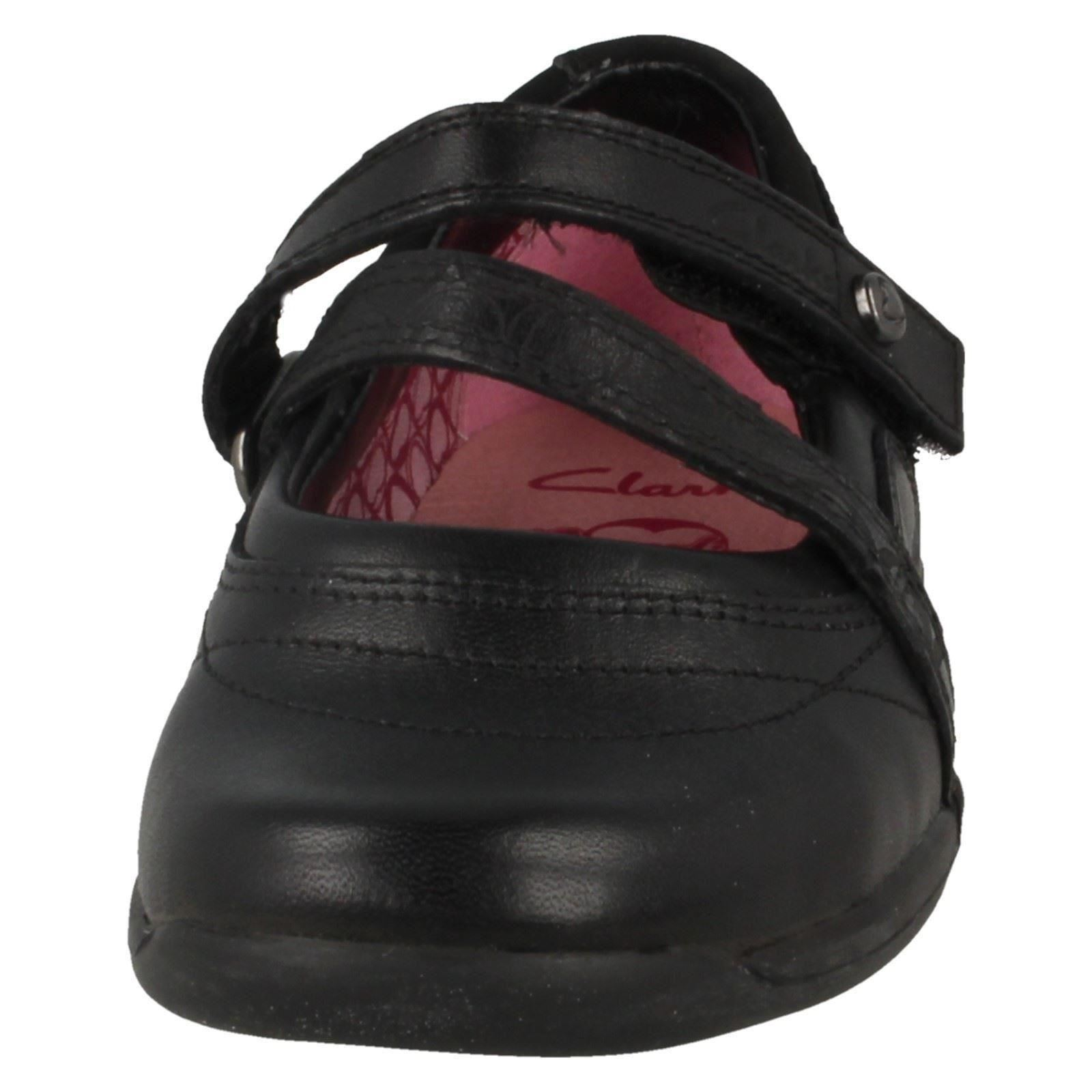 Infant Girls Clarks Cross Strap Shoes Buzz Hug