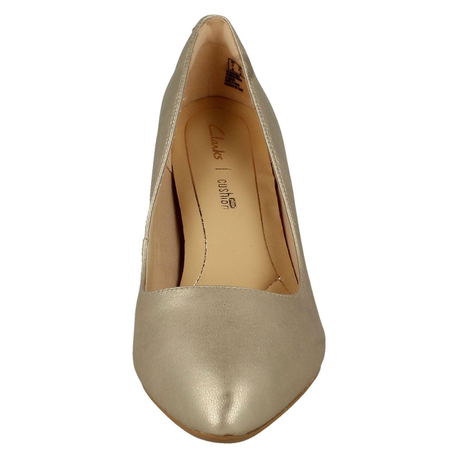 Ladies Clarks Heeled Heeled Heeled Court shoes 'Laina Rae' 0e83a4