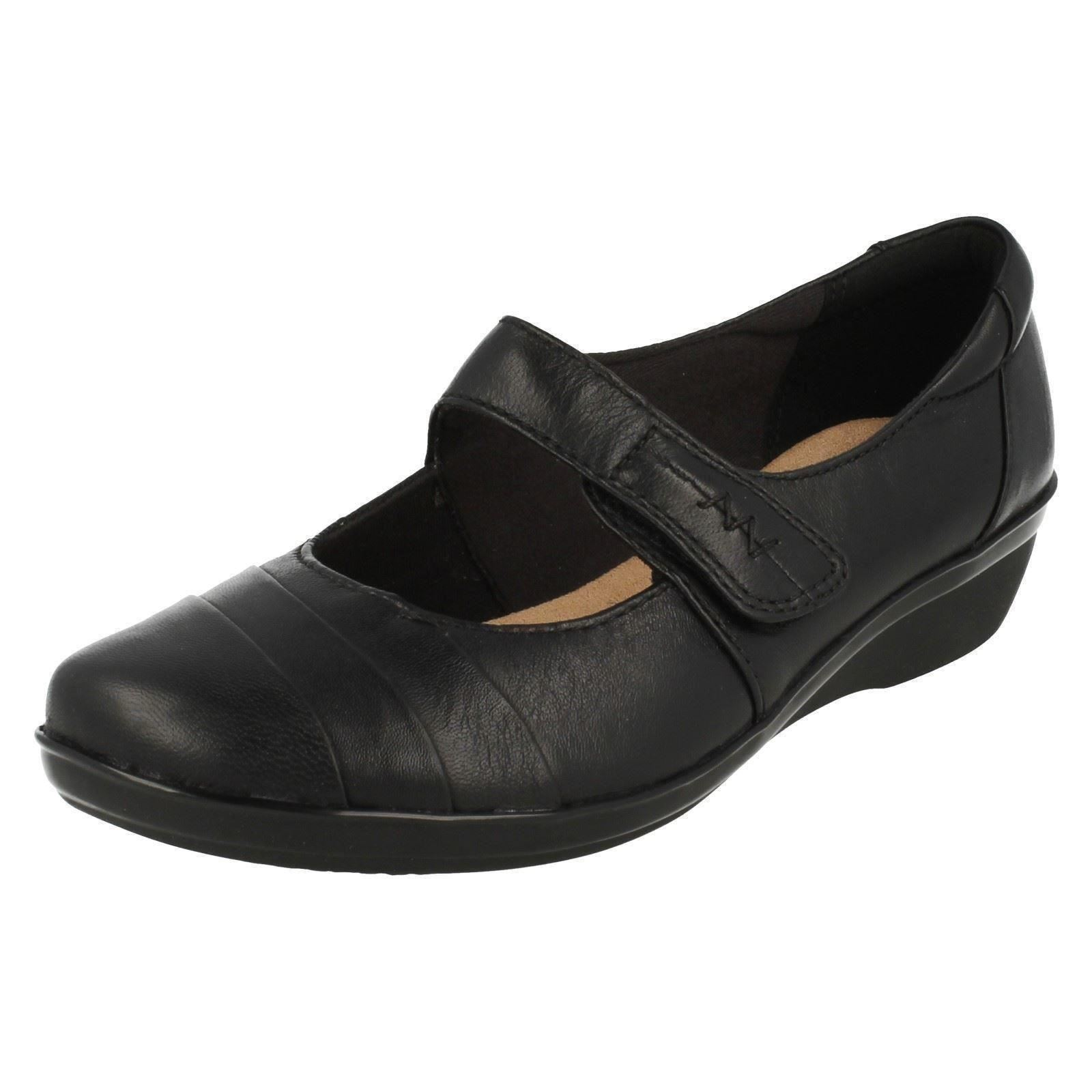 Clarks Everlay Kennon Ladies Shoes Mary Jane Black Leather Wide E ... 2c53e8012553