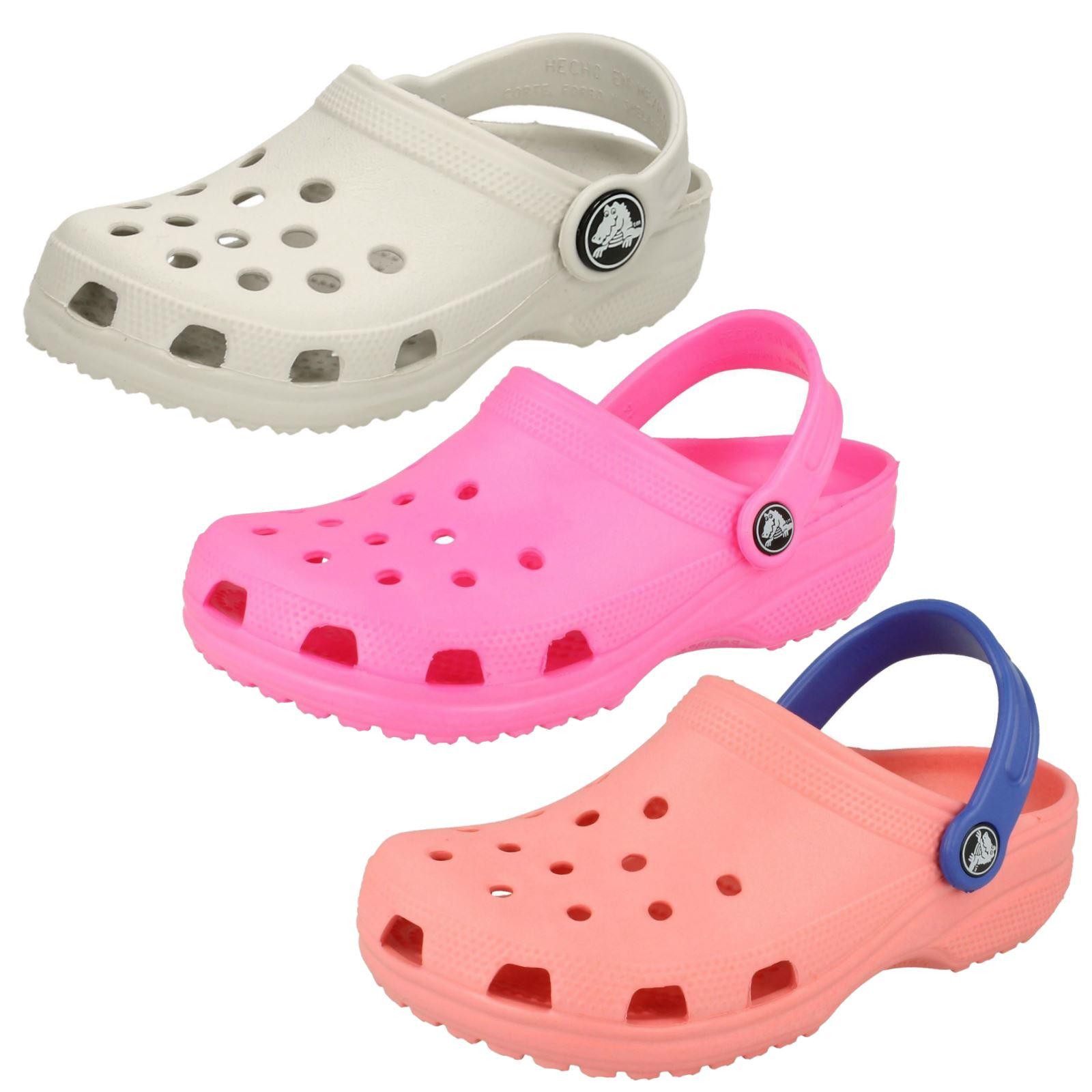 8dc6e07ce2867 Crocs Girls Sandals Crocs Kids Classic