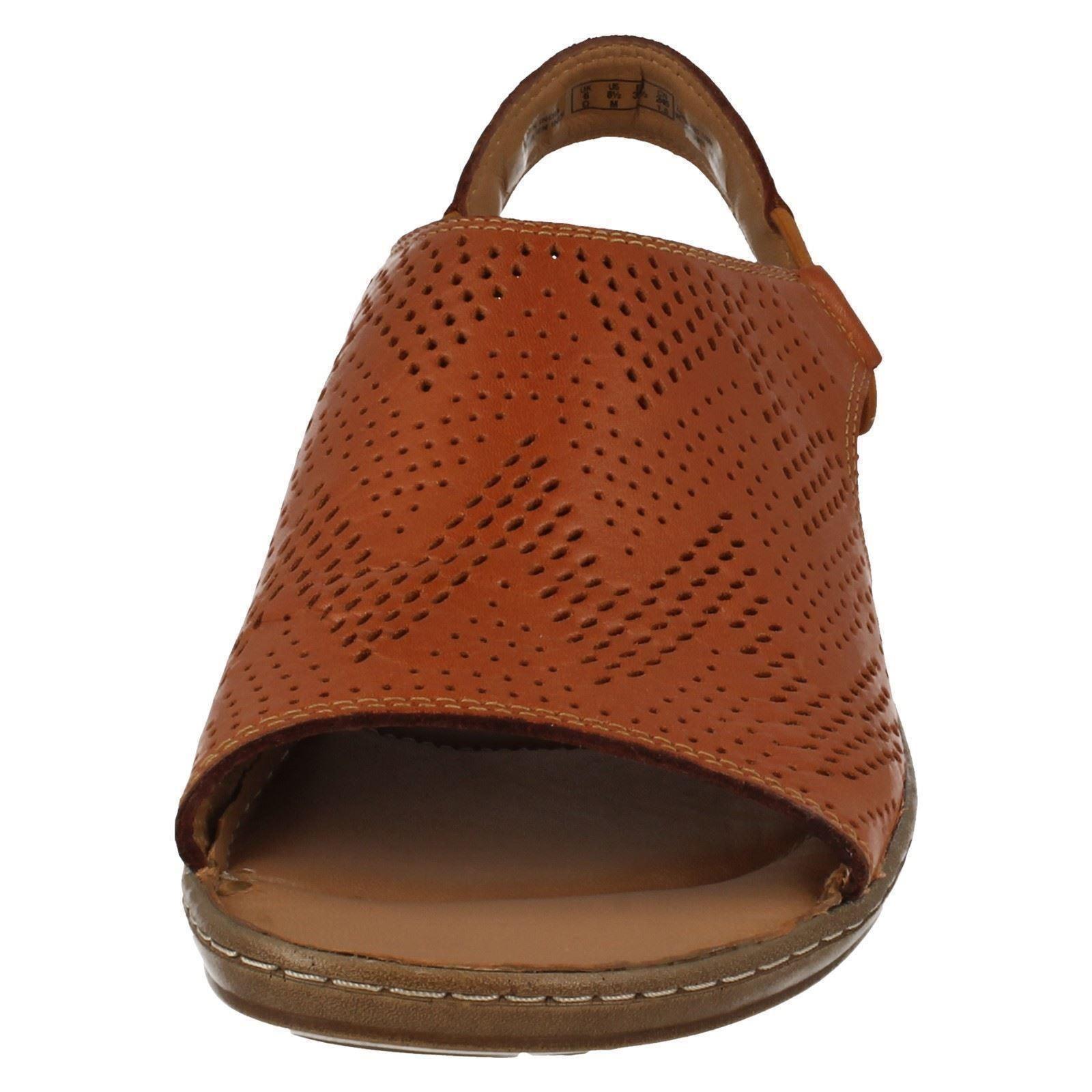 Ladies Clarks Slip On Flat Sandals 'Sarla Cadence'