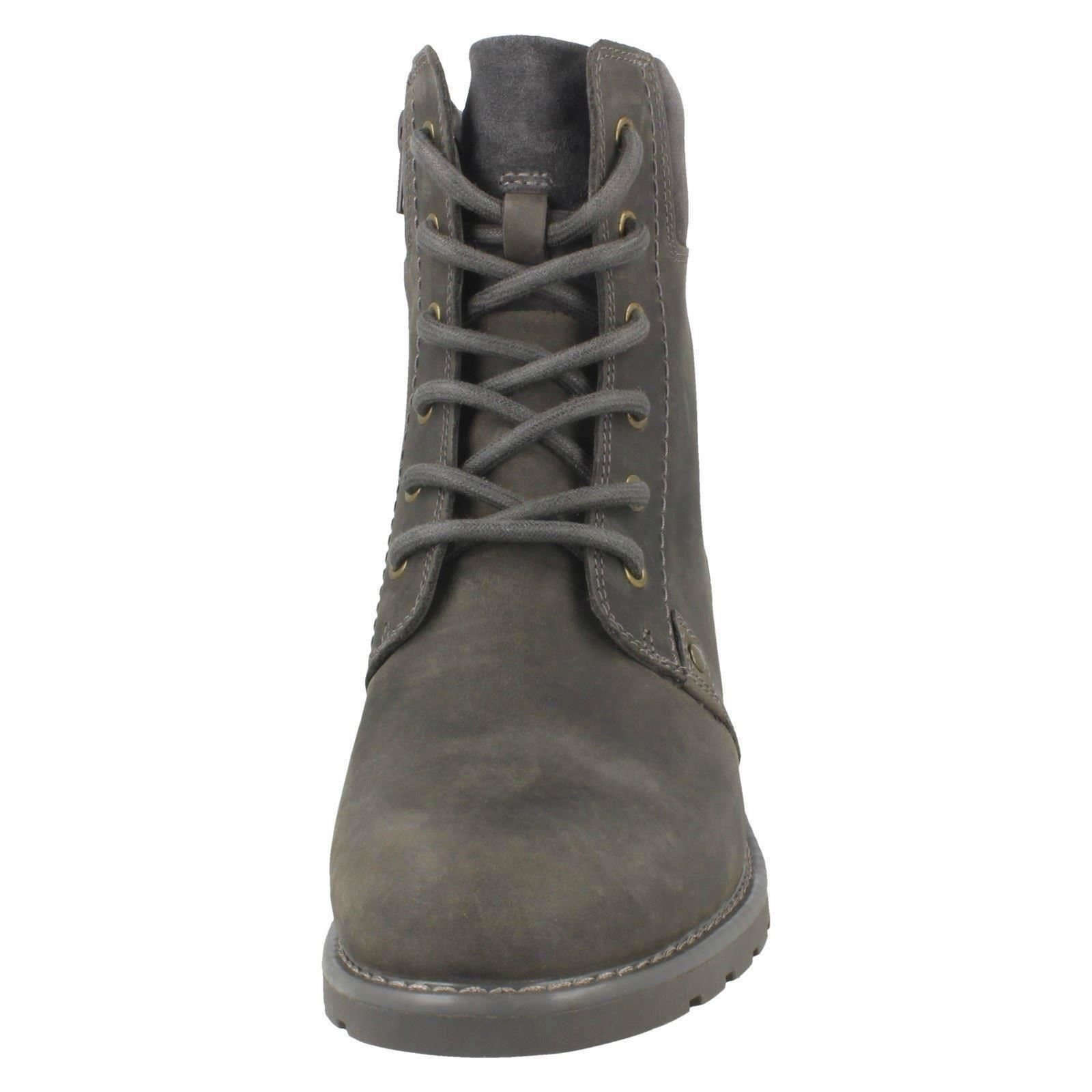 Ladies-Clarks-Casual-Lace-Up-Inside-Zip-Nubuck-Leather-Ankle-Boots-Orinoco-Spice thumbnail 45