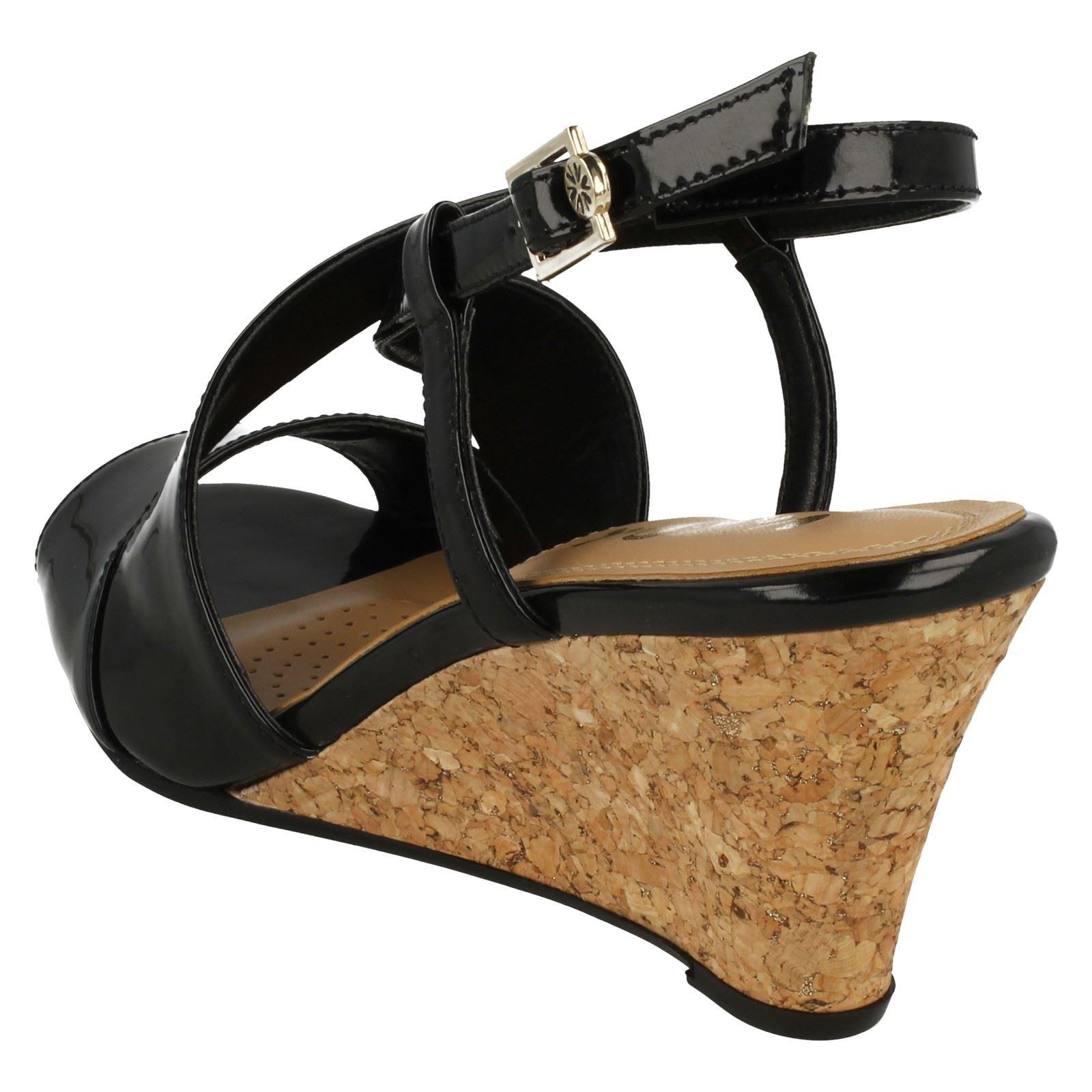 Ladies-Van-Dal-Cross-Strap-Wedged-Sandal-Allora thumbnail 16